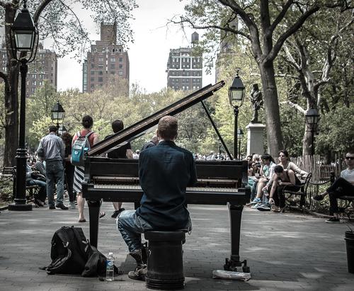 Piano+guy-3.jpg