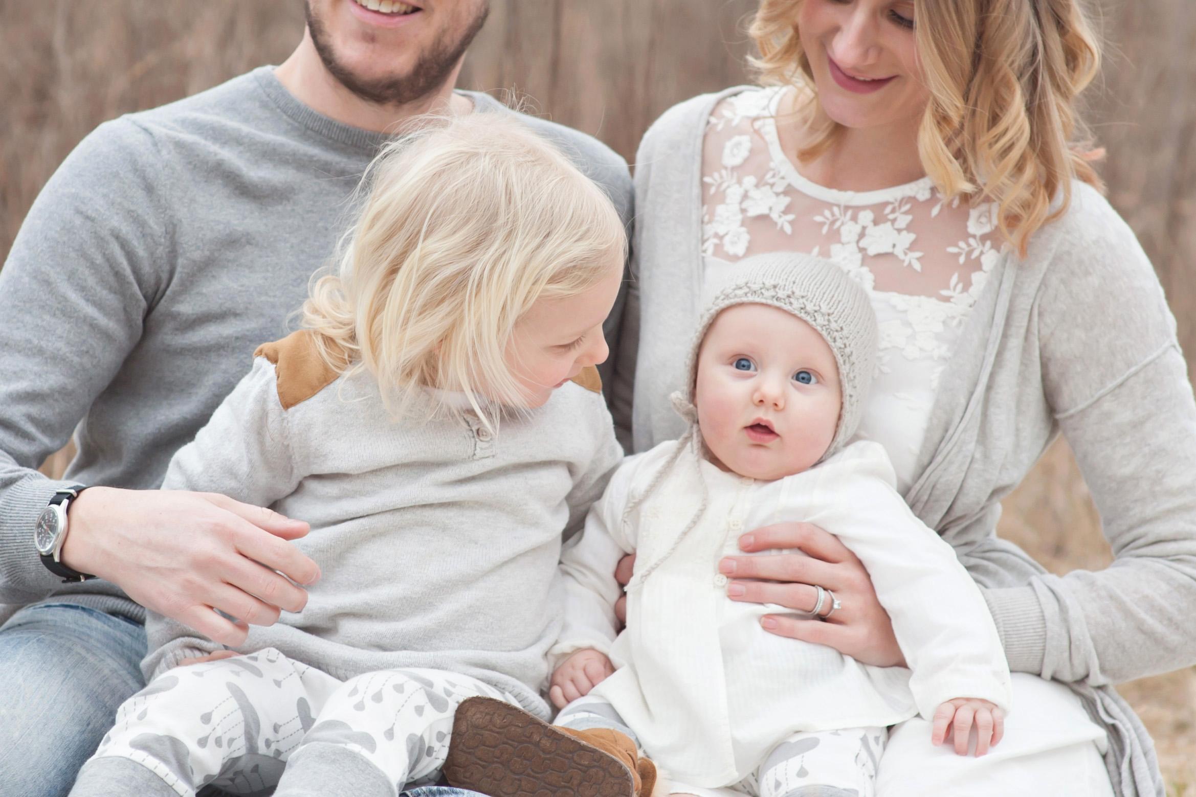 Best Louisville KY Family Photographer | Julie Brock Photography | Louisville KY Maternity Photographer | Louisville KY Newborn Photographer | Louisville KY Photographer | Louisville KY Baby Photographer | Field Photography Session Louisville KY