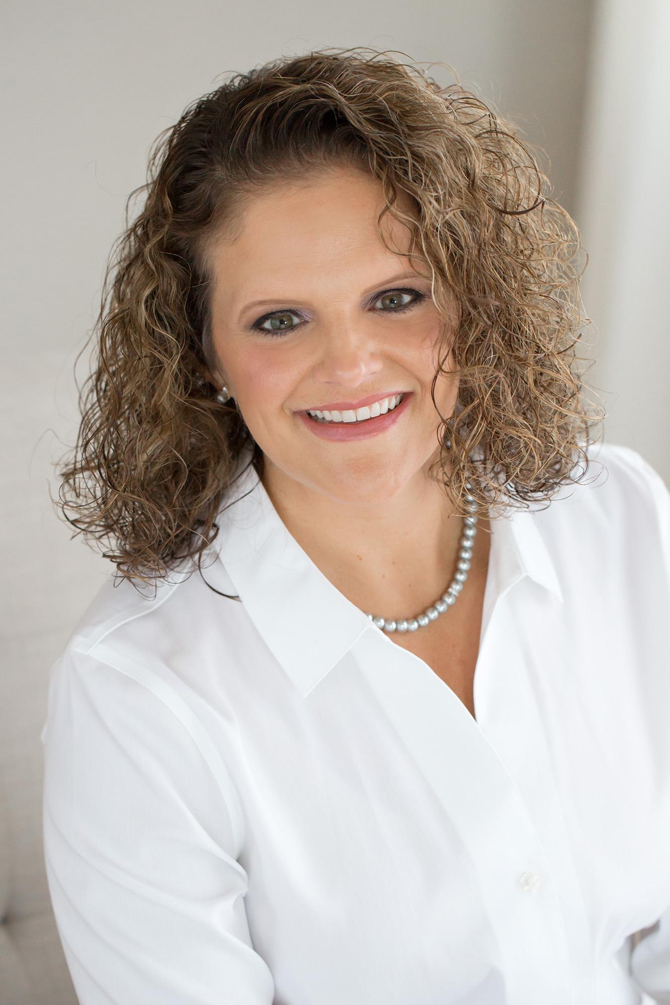 Louisville KY Family Photographer | Julie Brock Photography | Women's Headshot Poses