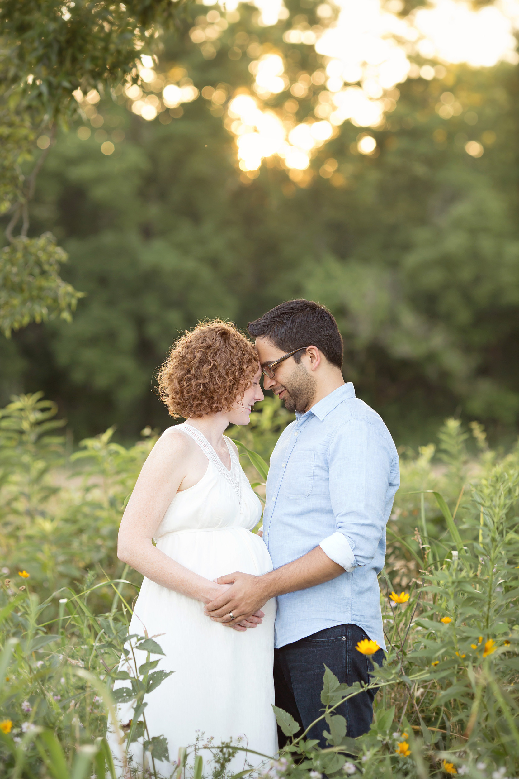 louisville ky newborn maternity and family photographer | julie brock photography | outdoor photo session louisville ky with husband and wife | field photography session