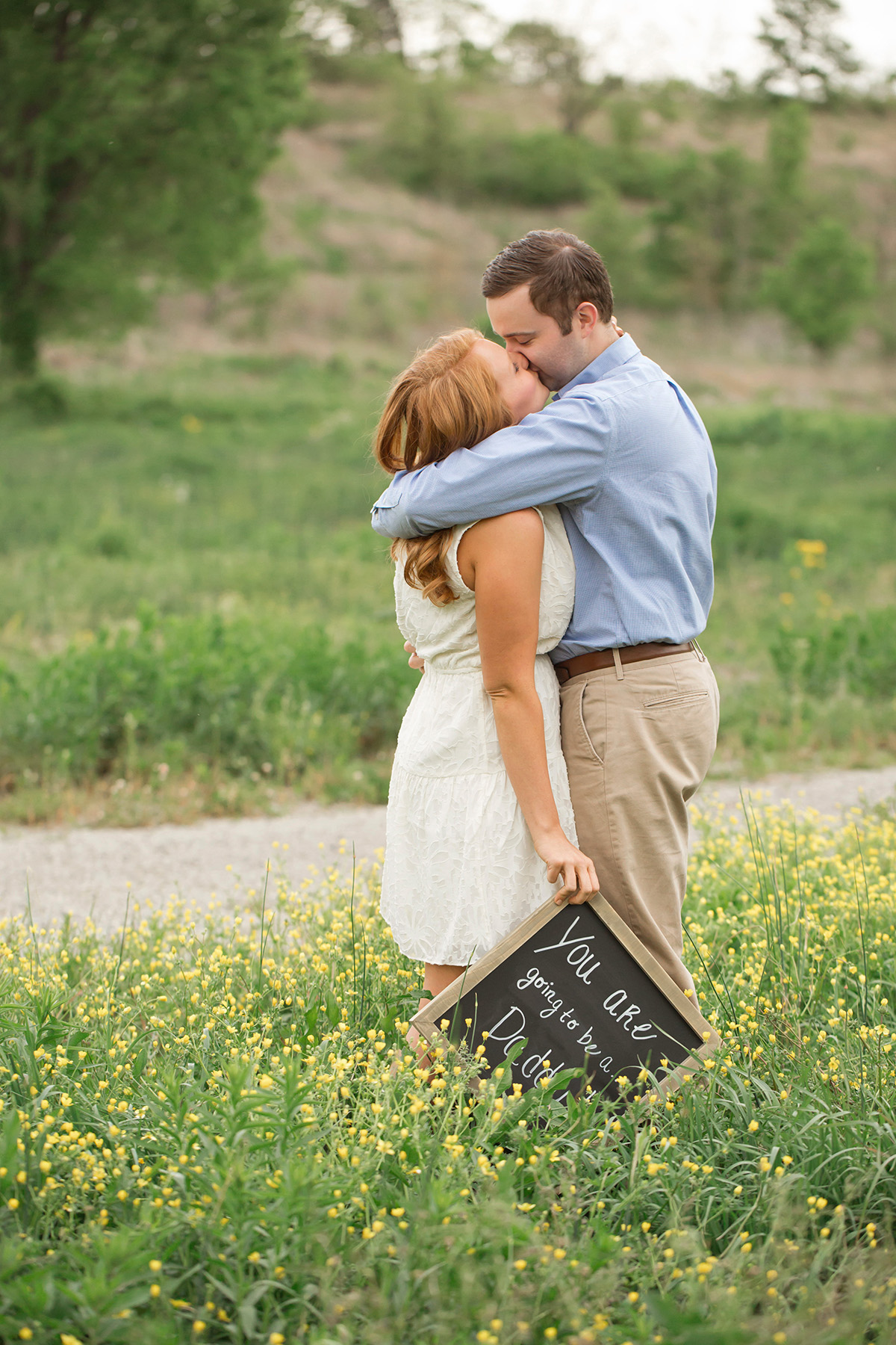 Louisville newborn photographer | julie brock photography | fun pregnancy announcement | louisville maternity photographer | he was surprised by his wife that she is pregnant