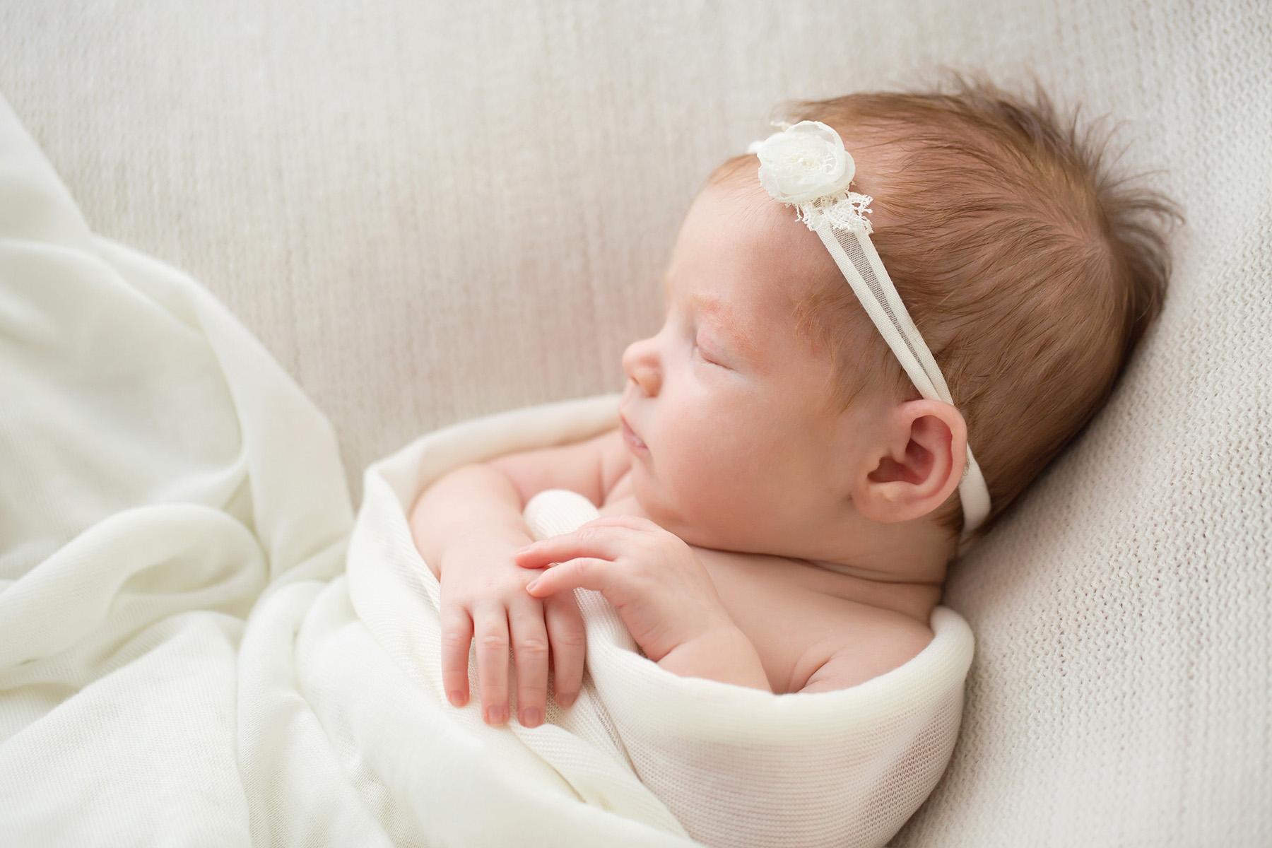 Louisville KY newborn photographer | Julie Brock Photography | maternity | family | louisville photography studio | natural newborn baby photography in Louisville