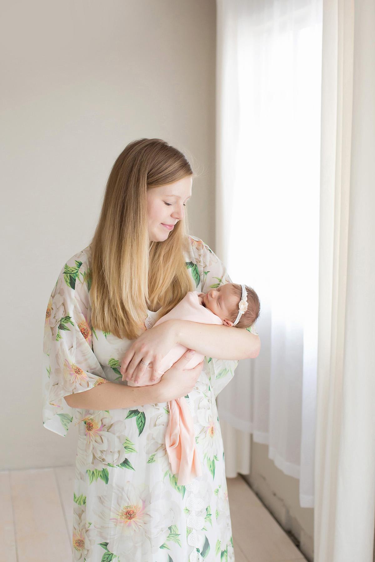 Louisville KY Newborn Photographer | Julie Brock Photograhy | studio photographer in Louisville | Boho dress for photographs