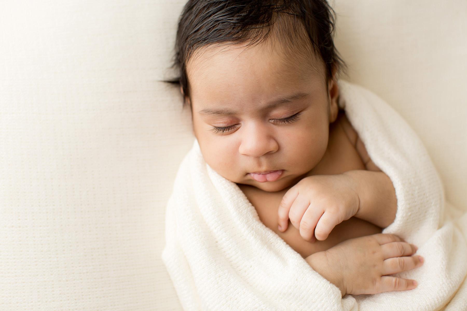 Newborn Family Maternity Photographer in Louisville KY | Julie Brock Photography | Lexington KY Newborn Photographer | natural baby photos | Louisville Photographer.jpg
