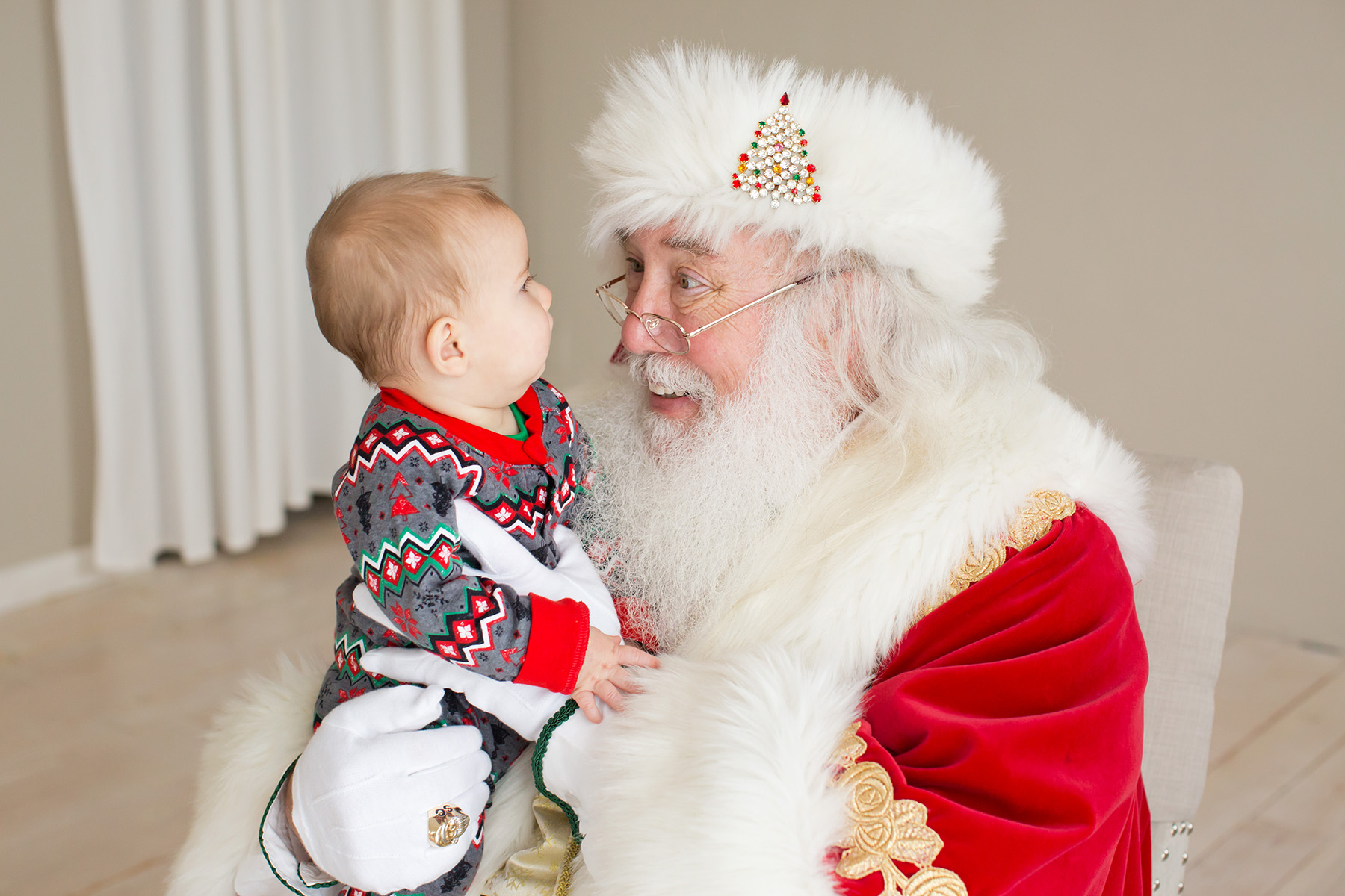 Santa photos in Louisville KY | Julie Brock Photography | Louisville KY Family Photographer | Newborn Photographer in KY.jpg