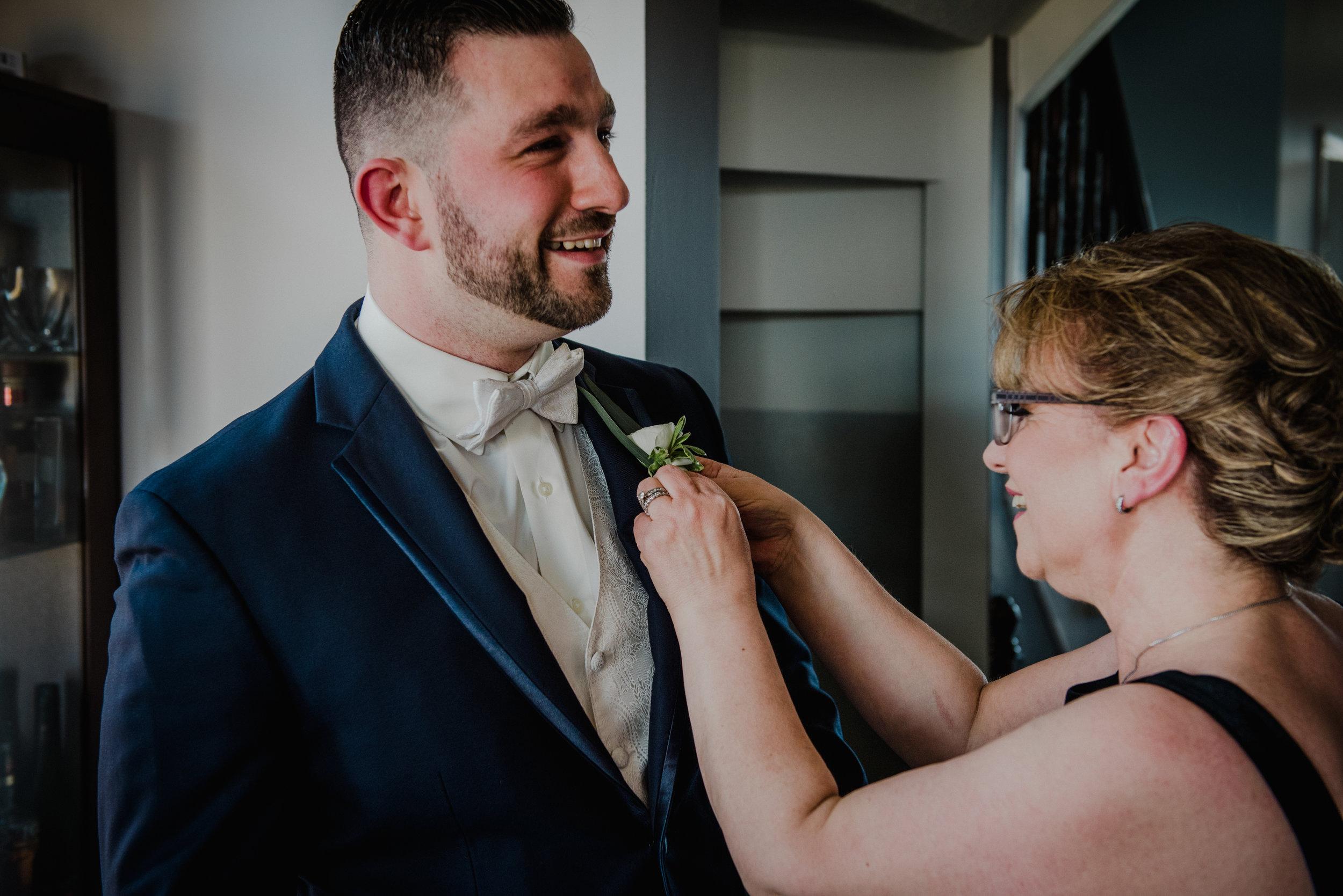 Le Belvedere, Wakefield Wedding - Groom Getting ready