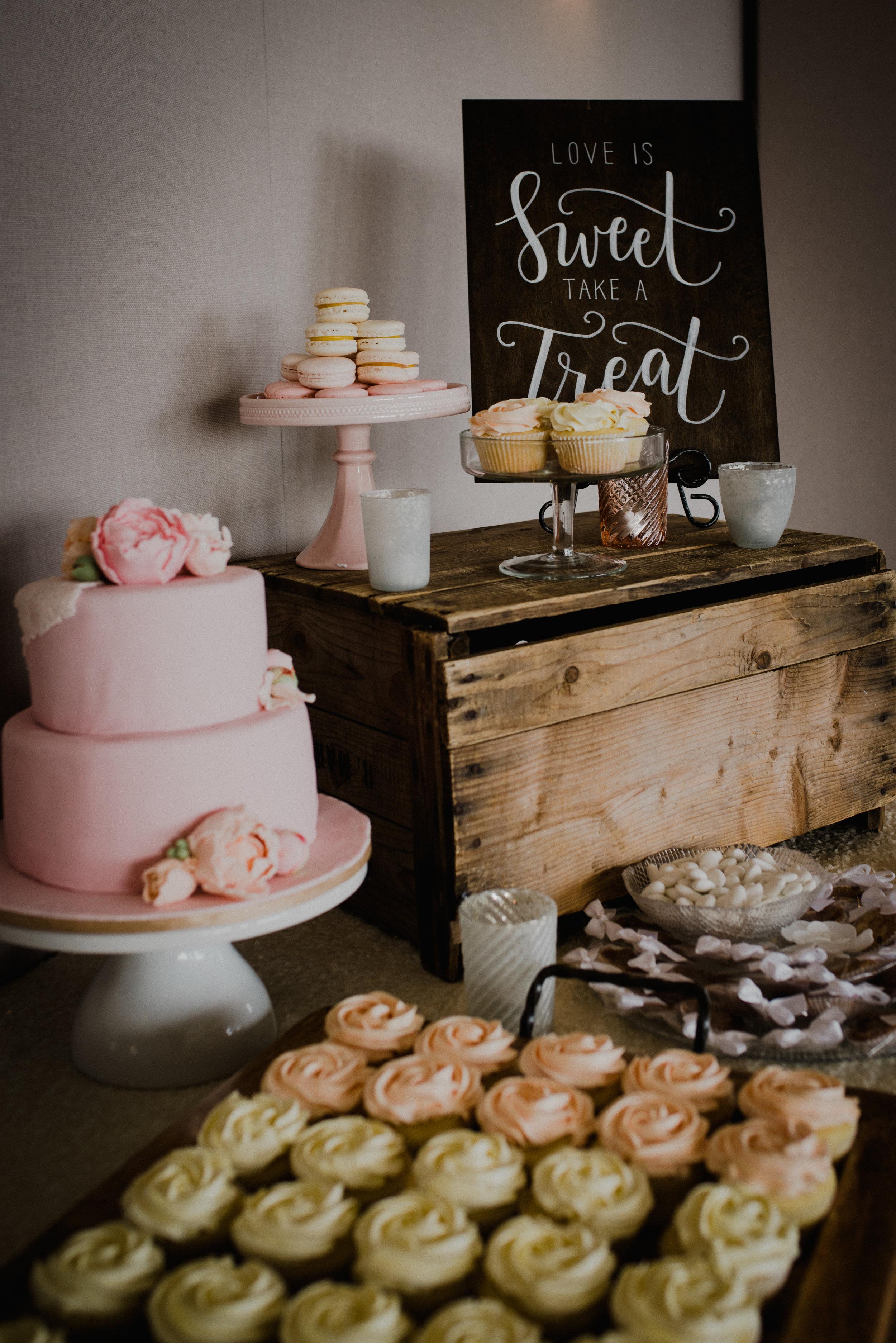 e Belvedere, Wakefield Wedding - Reception Details 6