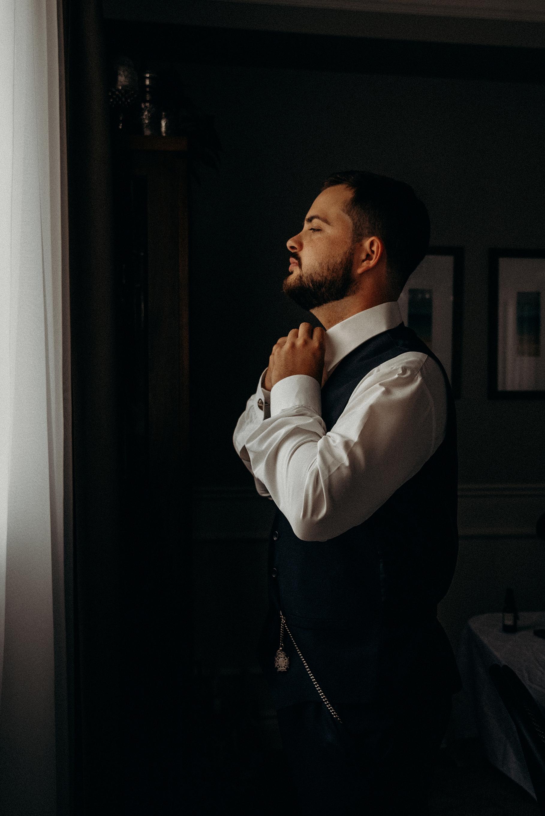 Saunders Farm Wedding Mocha Tree Studios Ottawa Toronto Montreal Wedding and Engagement Photographer and Videographer Dark Moody Intimate Authentic Modern Romantic Cinematic Best Candid 4