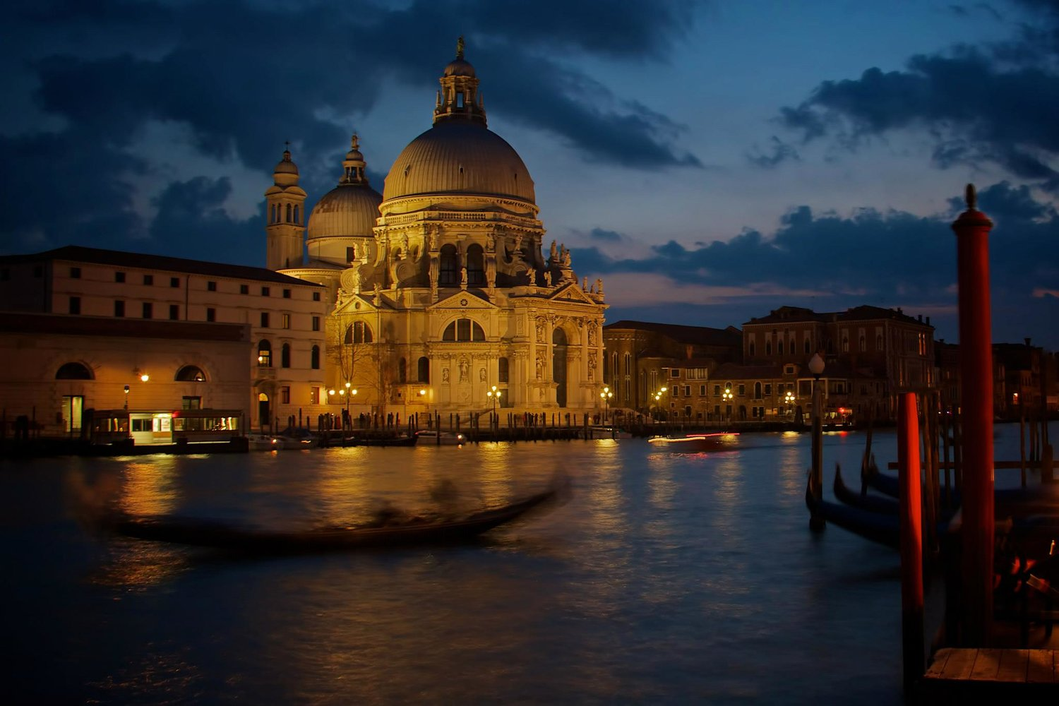 Venice at Night by Adrian McGarry shot on iPhone ©Adrian McGarry.