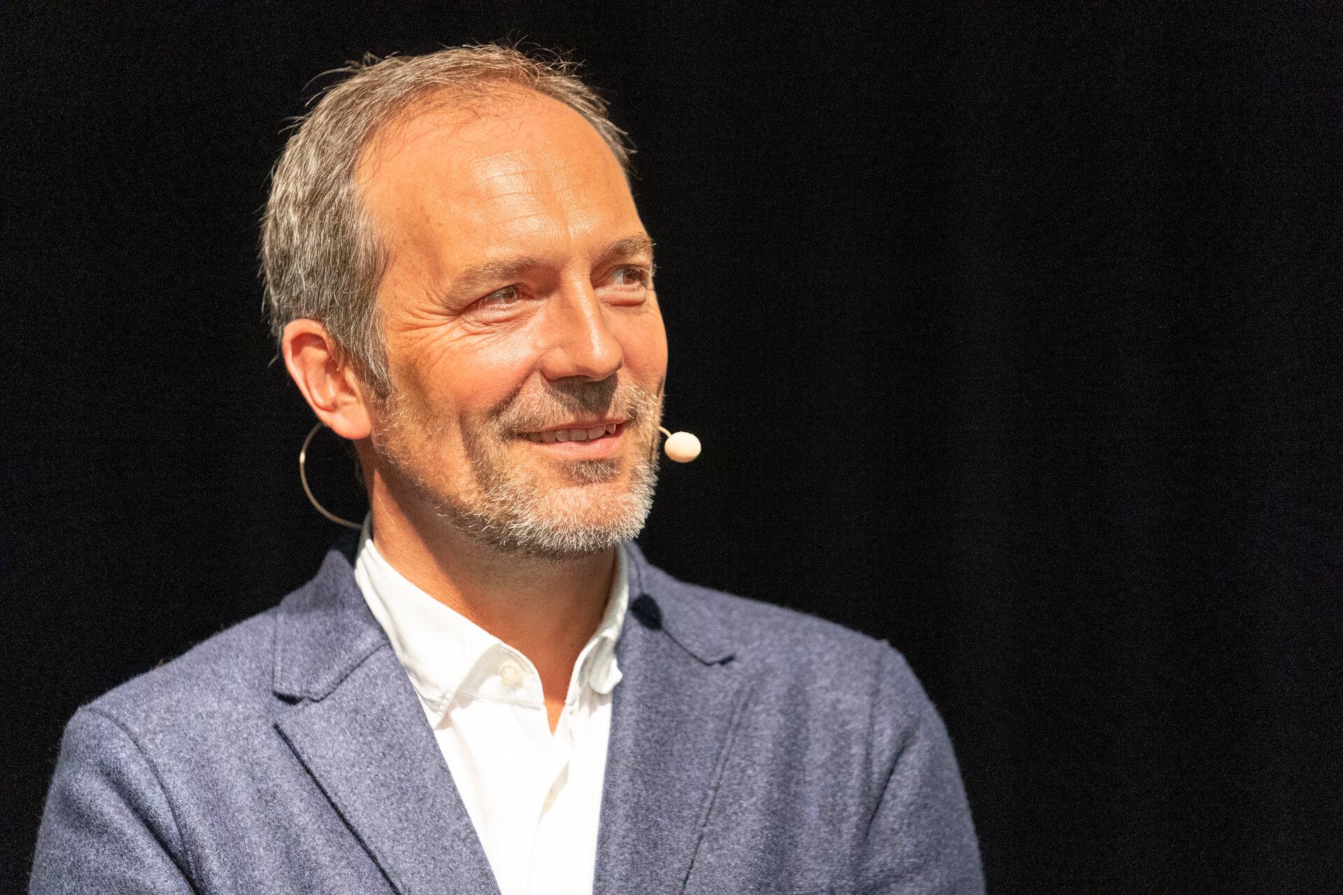 Dr. Alexander Fleischer