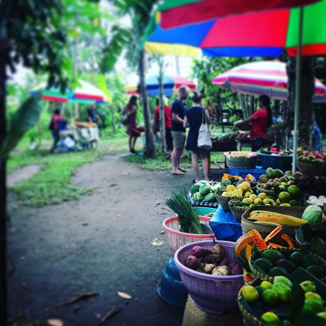 Flashback one week ago to this super sweet growers market outside of Ubud. So nice to connect with locals who were so proud of their produce. It wasn't really about making $$ either, just about being 'seen', I was gifted bananas and fruit just for having a chat. Shows you the  real value you can bring to someone's day just by being present. #connection #love #people #family #organicgardening #food #ubud #bali #yogaoffthemat #nutrition #naturopathy #yoga #beherenow