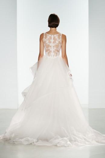 Tulle-bridal-ballgown-with-lace-neckline-nouvelle-amsale-lexi-2-348x522.jpg