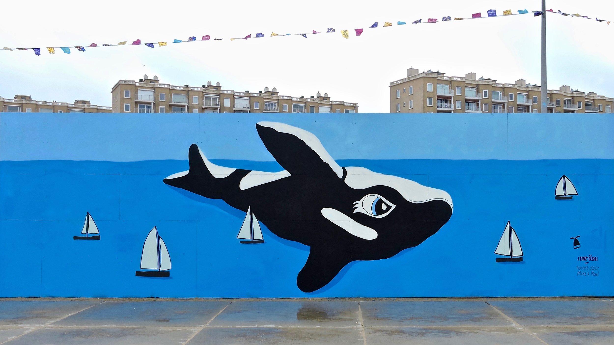 Painting on the beach | The Hague Straat Art - Scheveningen, De Pier Foto: Akbar Simonse