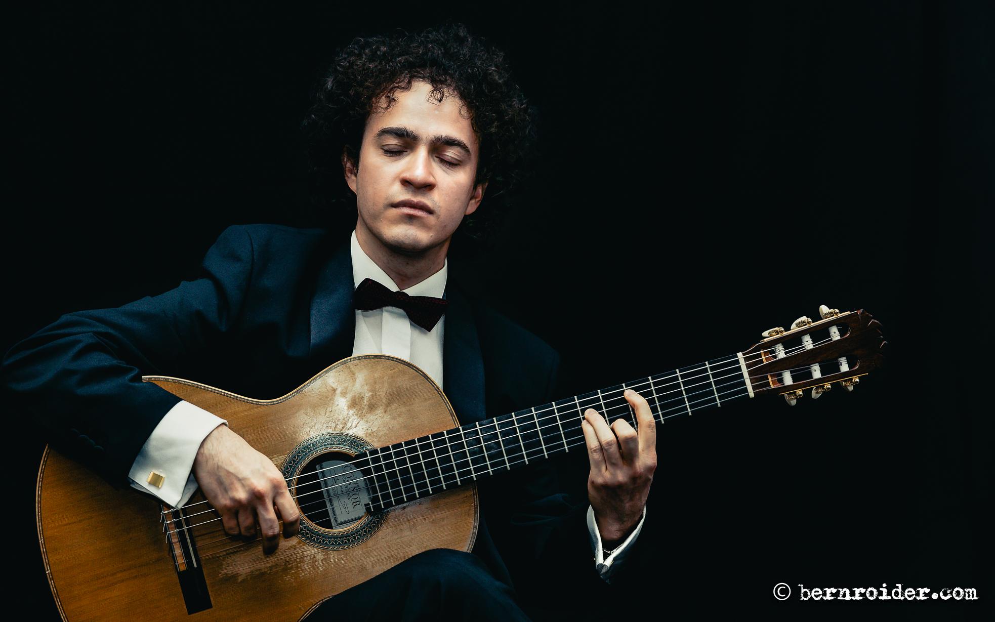 Cecilio Perera, Guitarist