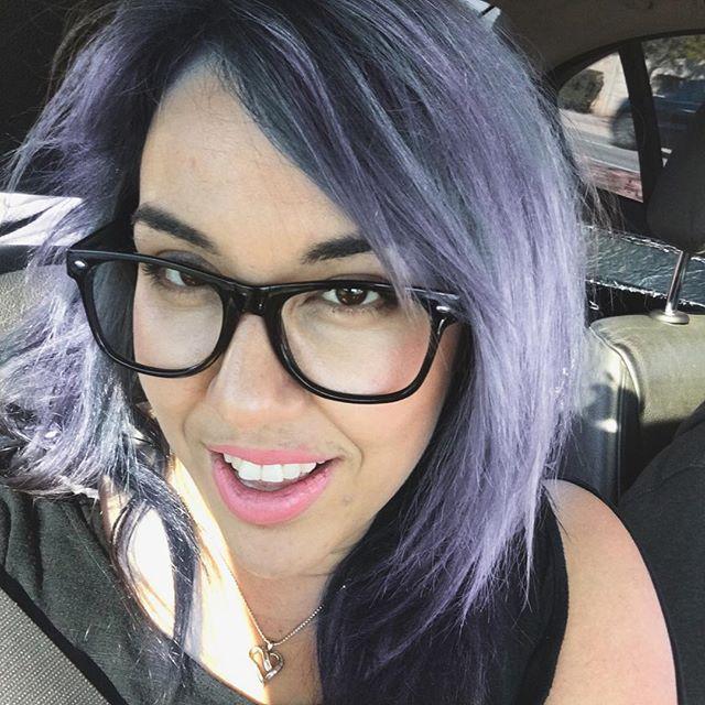 Finally got my color on point . #purplehair #424beauty #glamondemand #grayhair