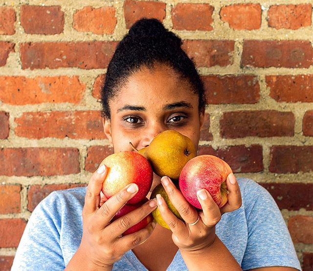 Incorporating props in a portrait is a great method for creative storytelling. To shoot a portrait of Jaime McBeth, Nutrition Educator at @fortunesociety, I grabbed a few key ingredients for healthy living: fruit! See more photos through the link in my bio. ⠀ ---⠀ #postthepeople #makeportraits #portraitmood #pursuitofportraits #portraits_ig #life_portraits #portraitphotography #thefortunesociety #photopeoplegallery #cjreform #criminaljustice #socialmediamarketer #socialmediaspecialist #creativeentrepreneur #entrepreneurship #beyourownboss #businessowner #rootstitches #creativestorytelling #storytelling #digitalmarketing  #contentmarketing #smallbusiness #marketingtips #socialmediatips #marketingdigital #marketingstrategy #youngblackentrepreneur #calledtobecreative #solopreneur