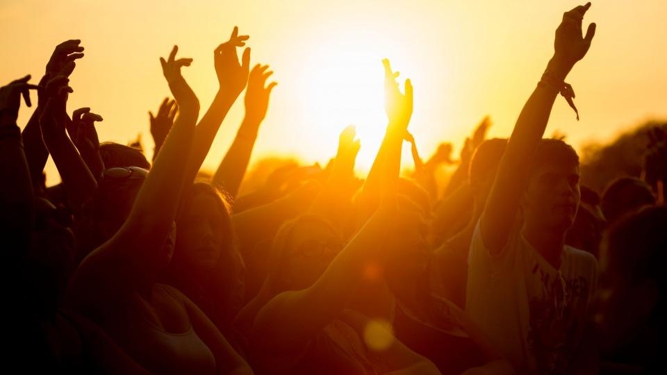 10-041225-best_music_festivals.jpg