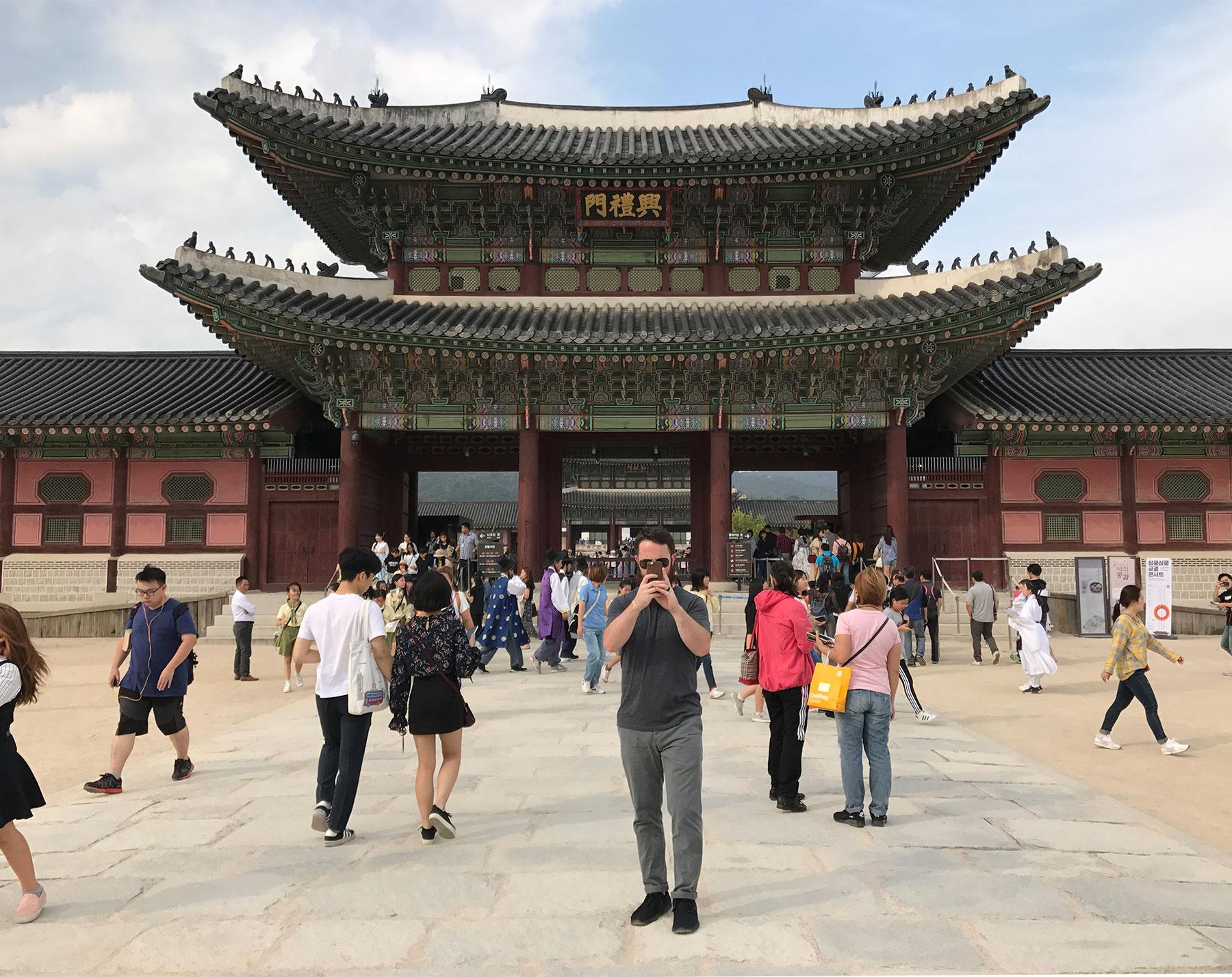 E5THESTORIES-LIFE-IN-SEOUL_ONE-YEAR-4.jpg