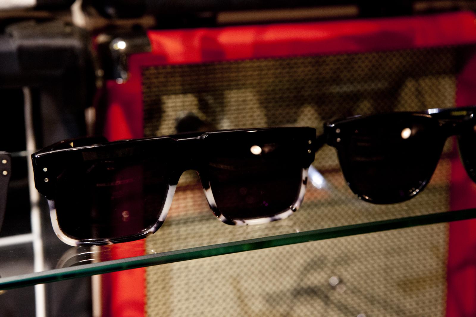 Robert_Adalierd_Rob_Design_Furniture_Wilde_sunglasses2.jpg