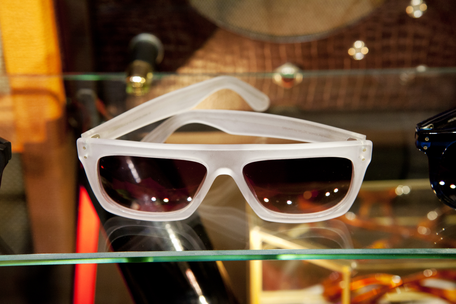 Robert_Adalierd_Rob_Design_Furniture_Wilde_sunglasses3.jpg
