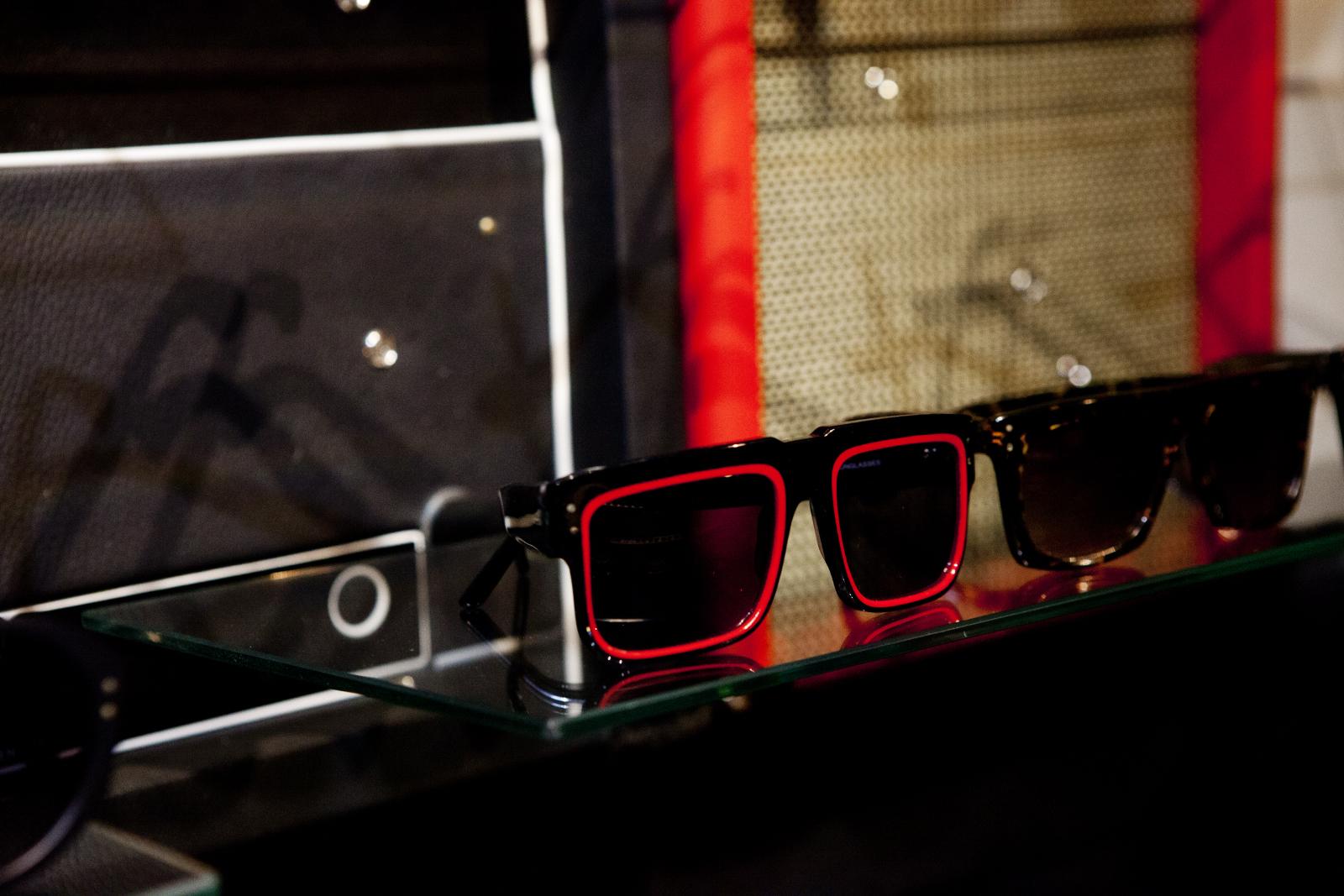 Robert_Adalierd_Rob_Design_Furniture_Wilde_sunglasses16.jpg