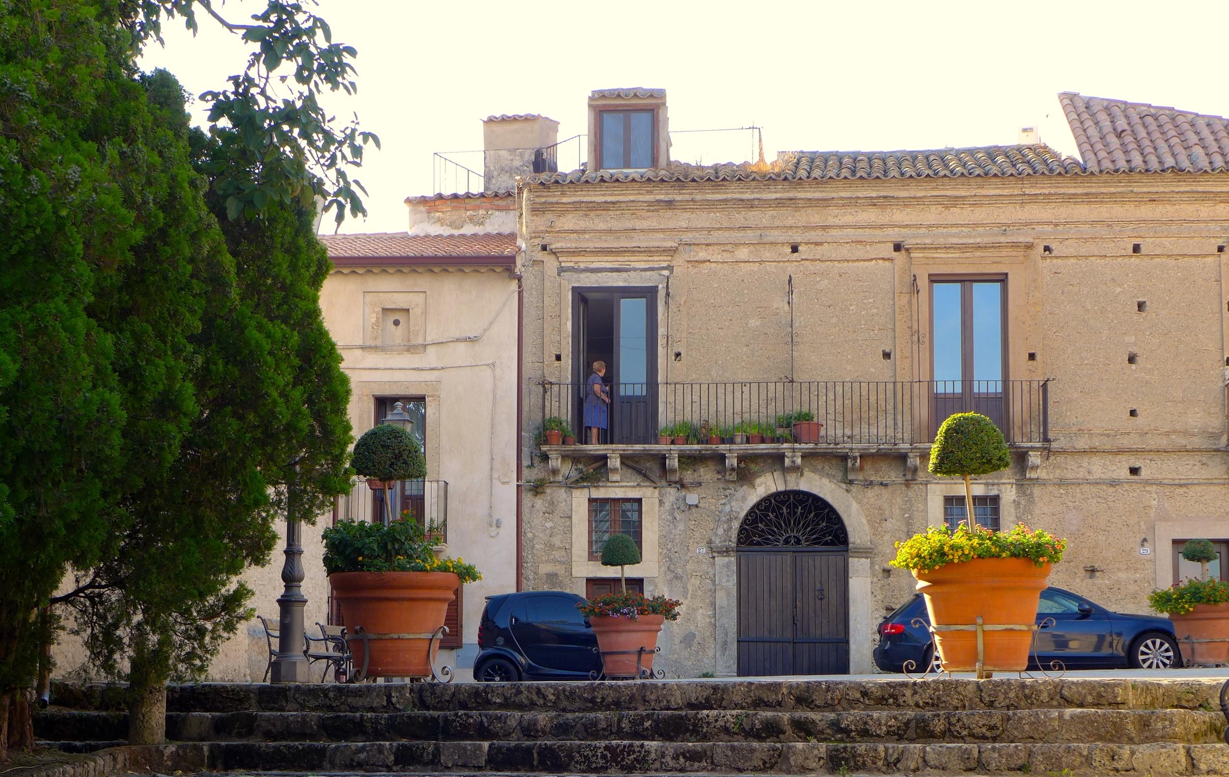 Gerace-Calabria-Piazza