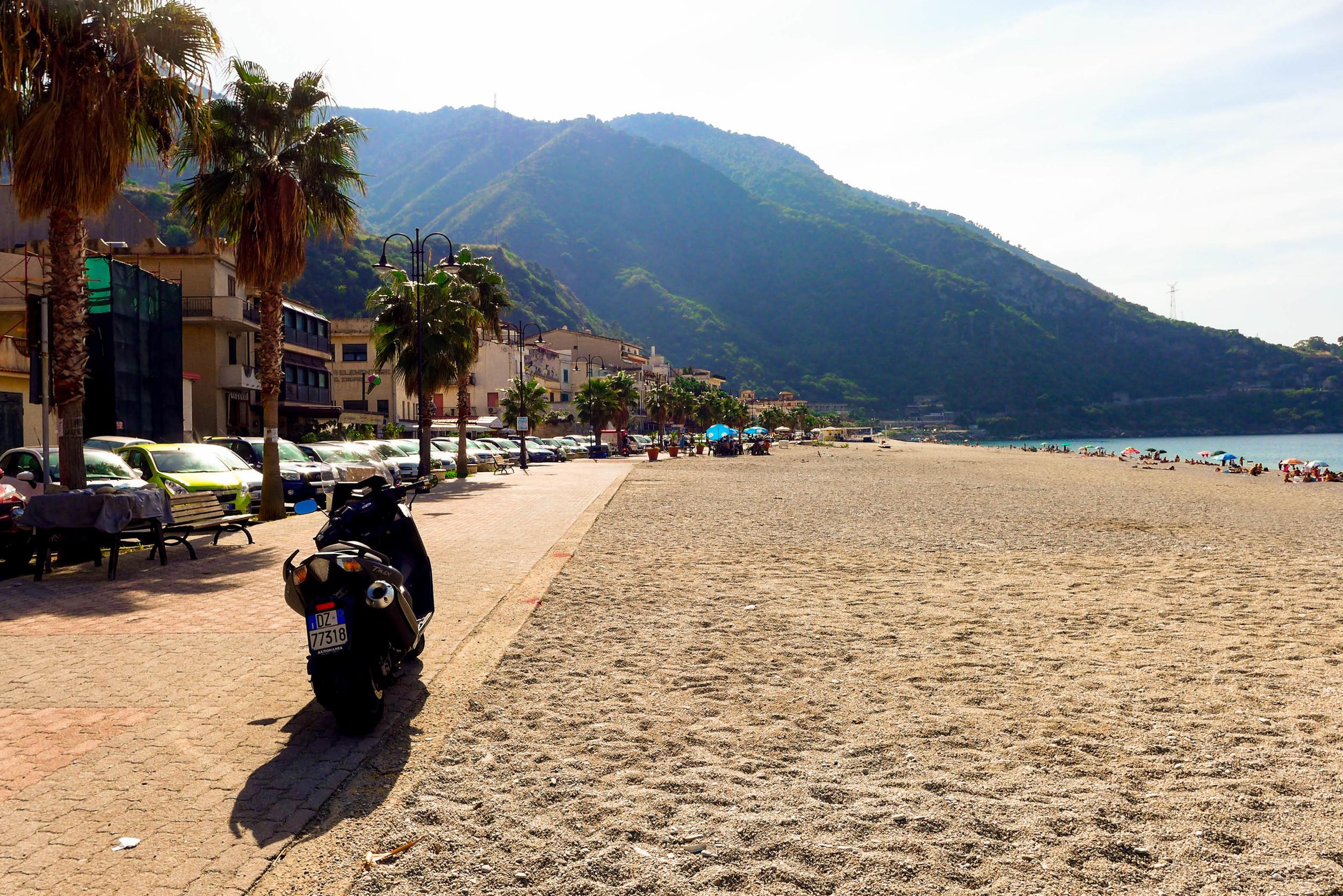 scilla-calabria-beach