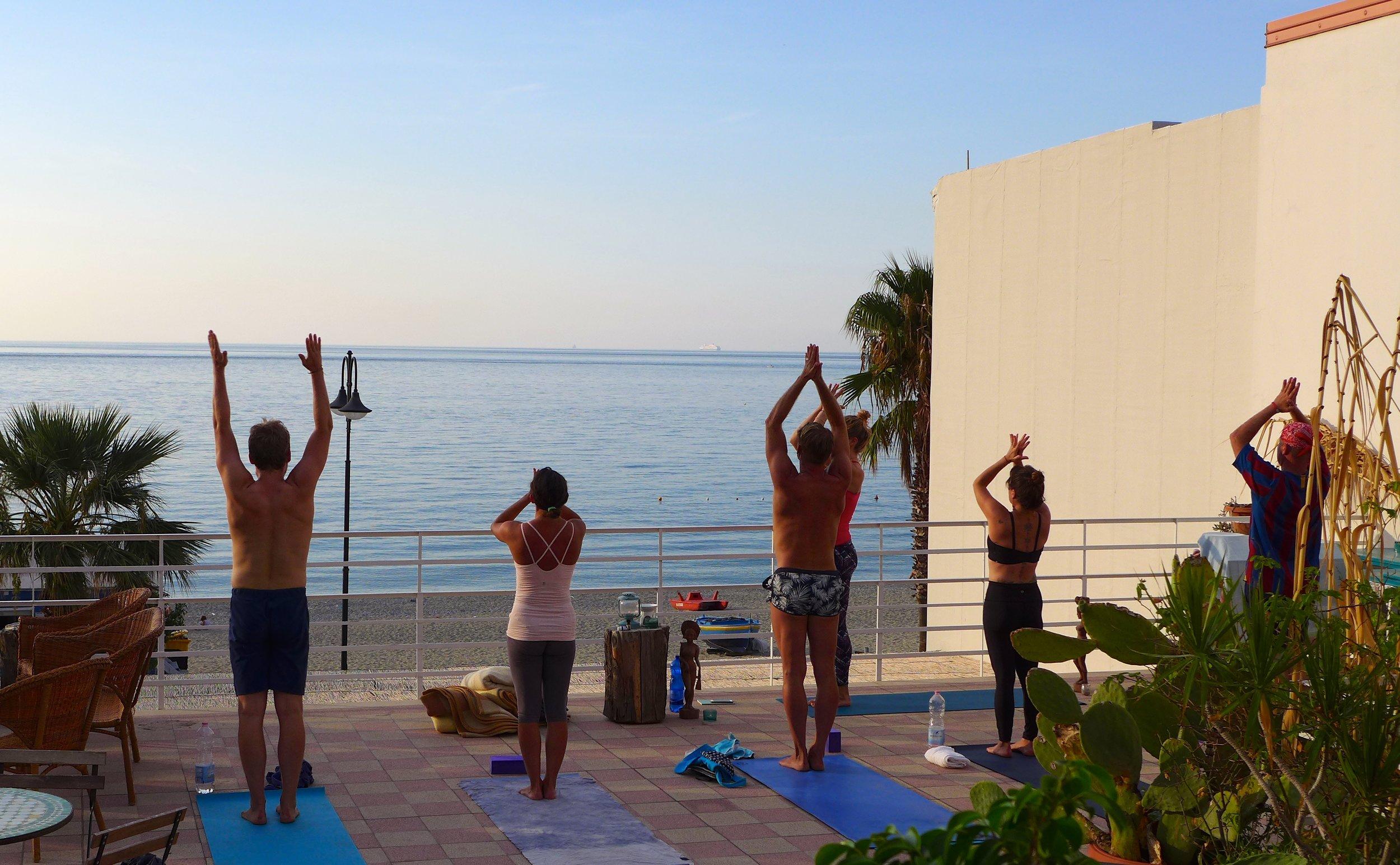 Yoga facing the magical Tyrrhenian sea. Our practice during the week combined elements of ashtanga, vinyasa, yin yoga and yoga nidra.
