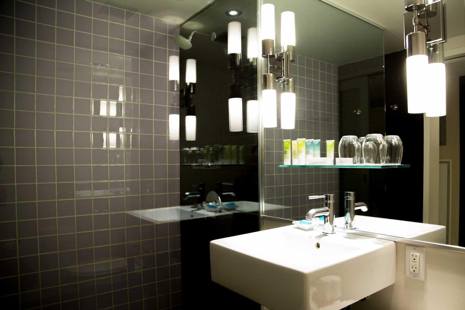 Hotel-10-Montreal-Stenberg-0298.jpg