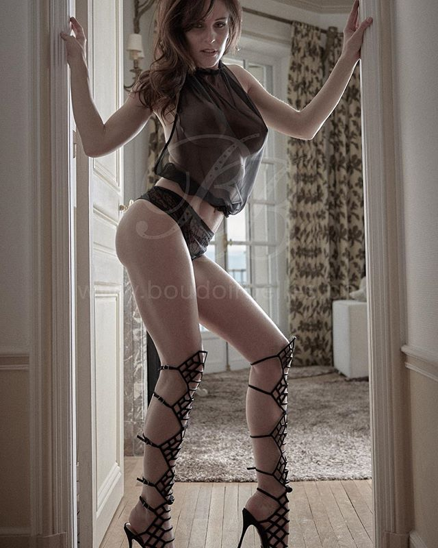 BoudoirBelles lookbook 2016 by photographer Olivier Cefai featuring Cadolle top, Aubade brief and Schutz cage heels! Available in our shop! @cadolle_official @aubadeparis @schutzoficial #luxurylingerie #schutzlovers #fashion @boudoirbelles_boutique #geneva #switzerland #seduction #luxurylifestyle #boudoirbelles_lookbook