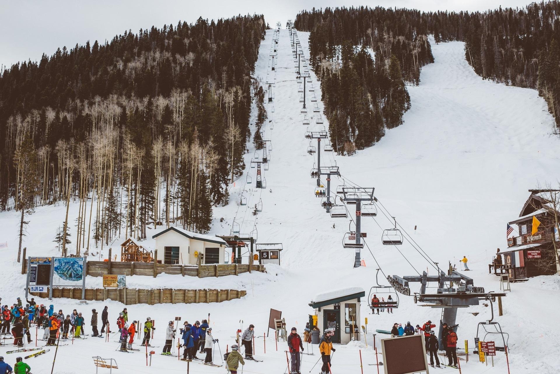 Taos Activities Skiing (1).jpg