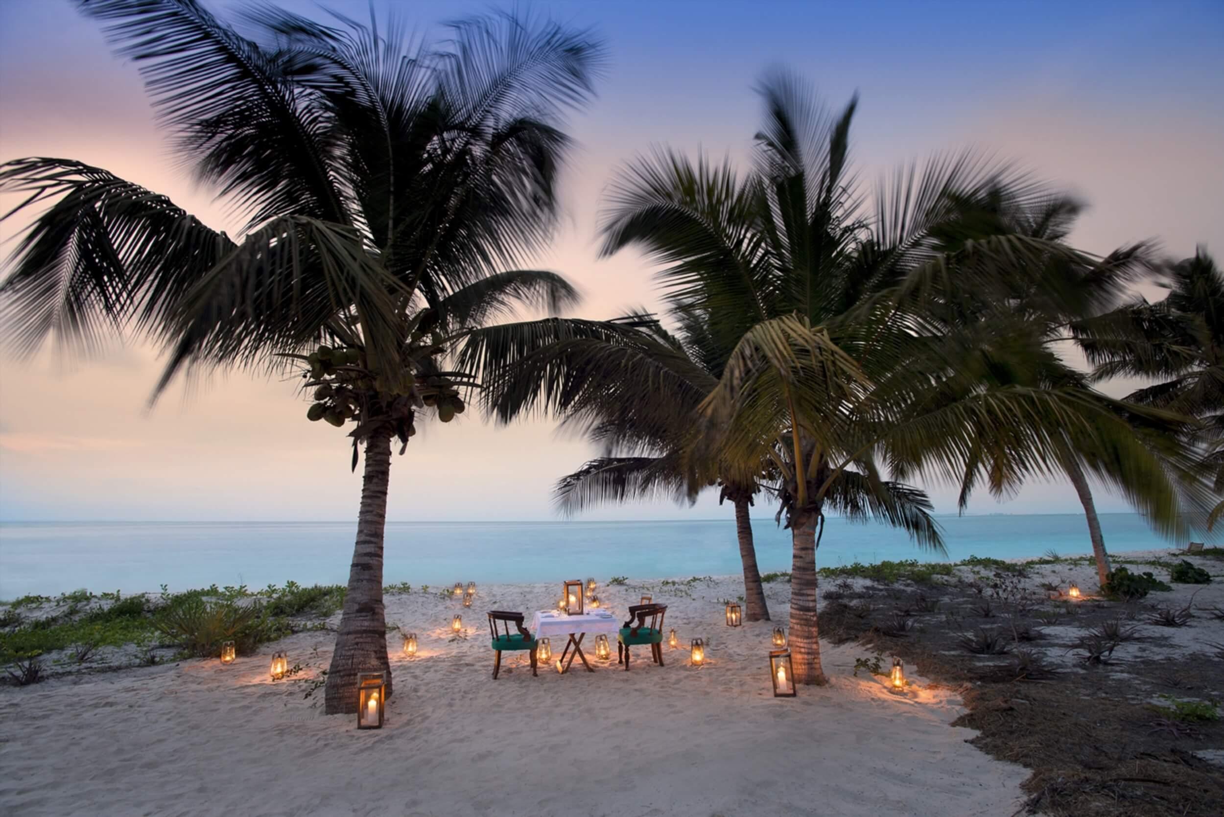 Benguerra-Island-Romantic-Private-Dining-1.jpg