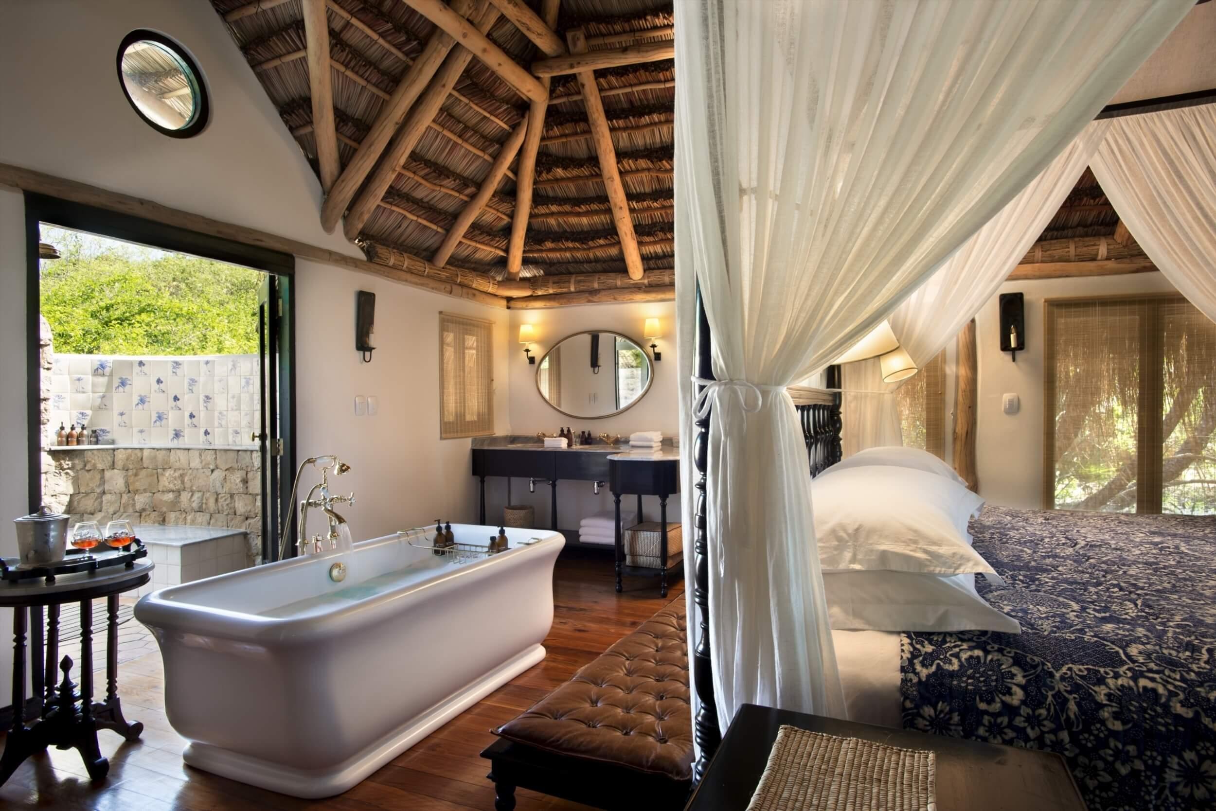 Benguerra-Island-Cabana-Ensuite-Bathroom.jpg