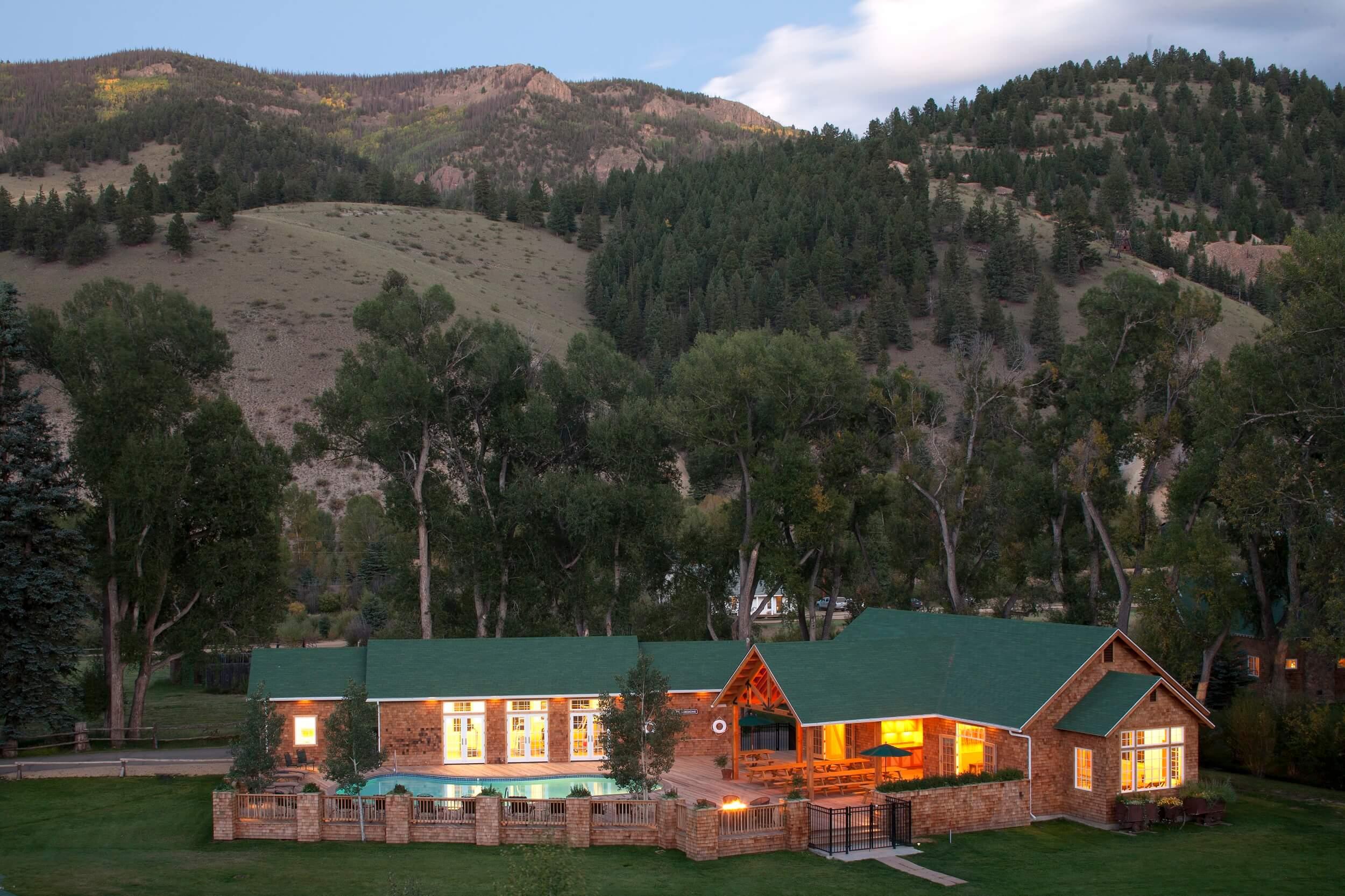 Photos: 4UR Ranch