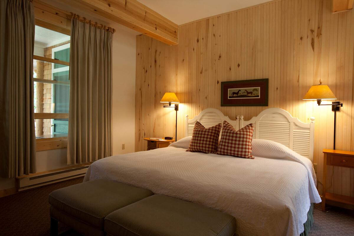 Guest room at 4UR Ranch.jpg