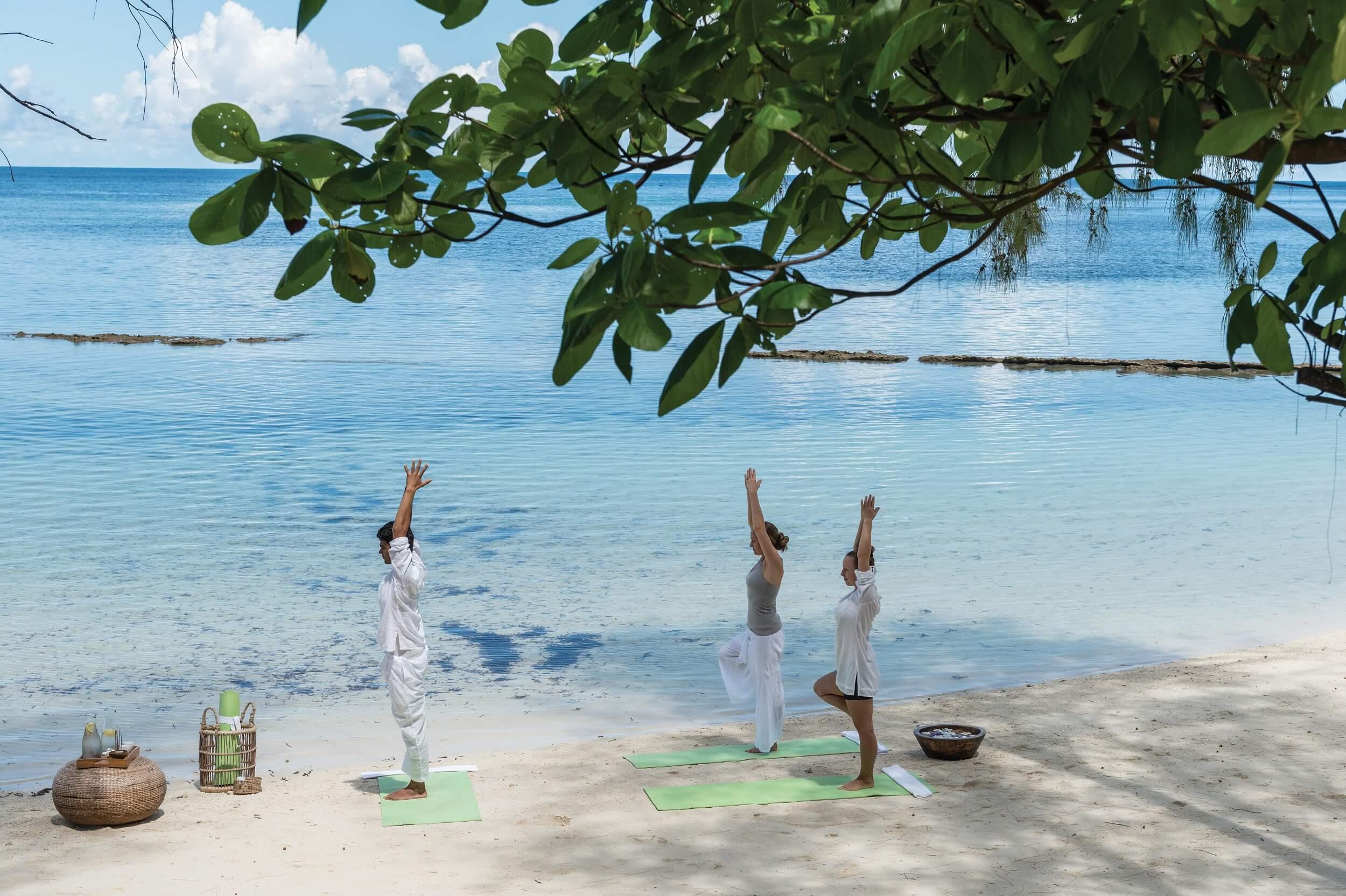 DIL Beach Yoga_02.jpg