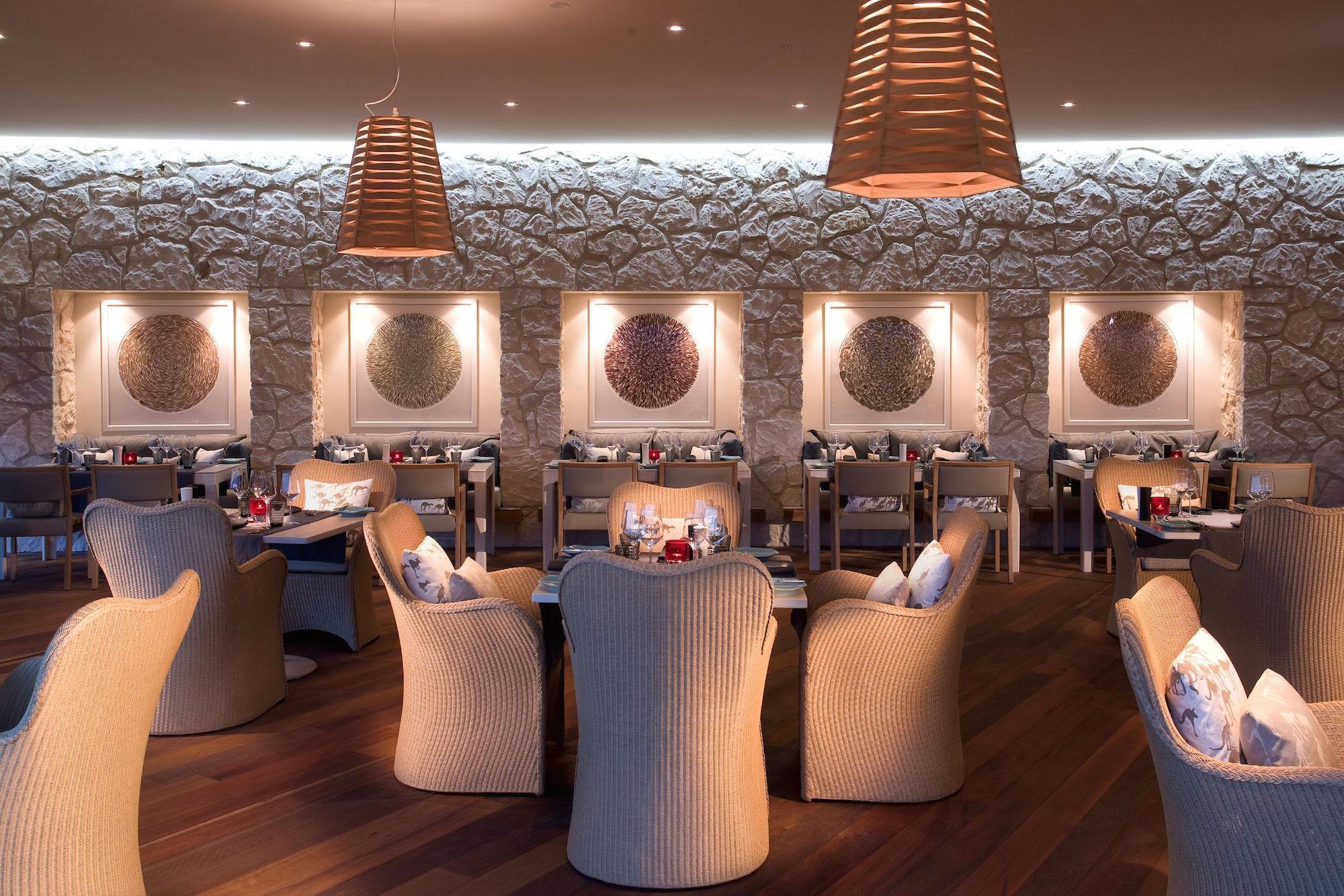 Southern-Ocean-Lodge_Kangaroo-Island_Restaurant.jpg