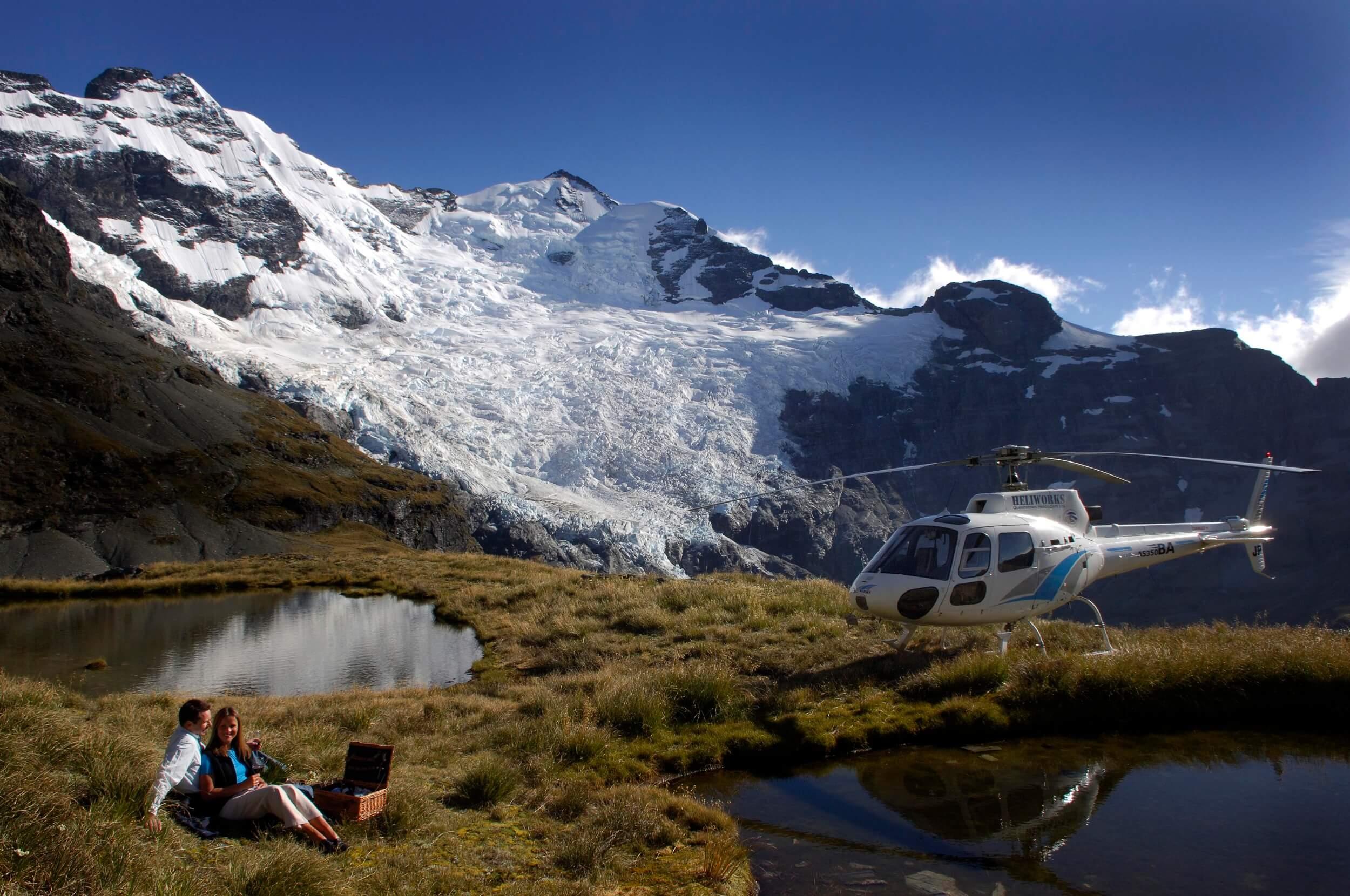 Heliworks, Earnslaw Glacier.jpg