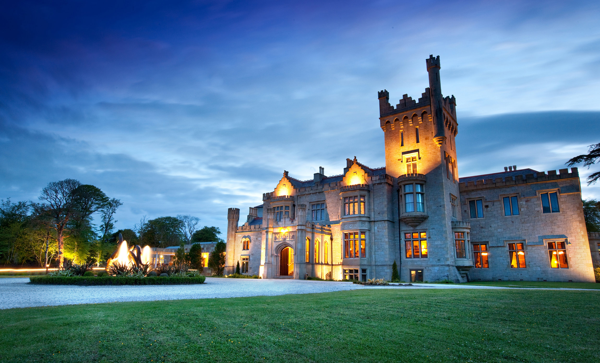 Solid Lough Eske Castle.JPG