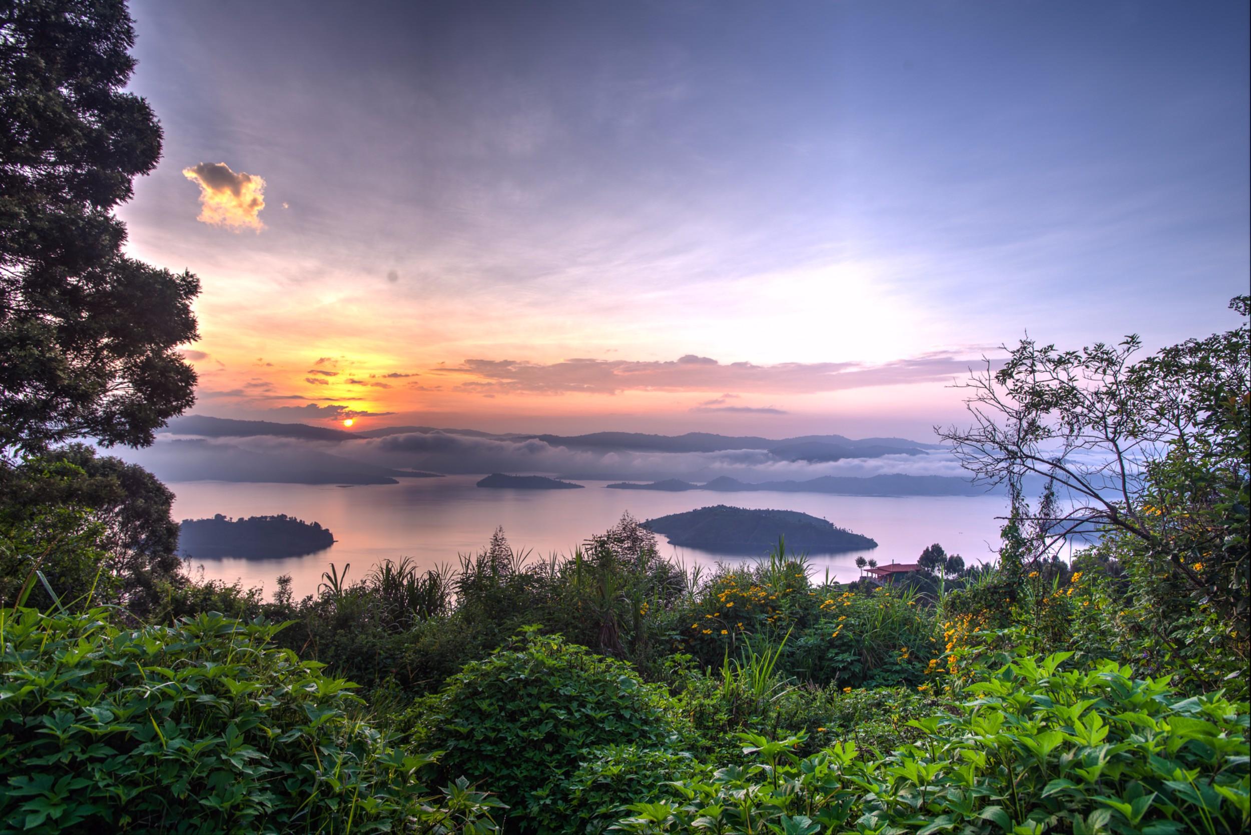 Virunga_sunset panorama.jpg