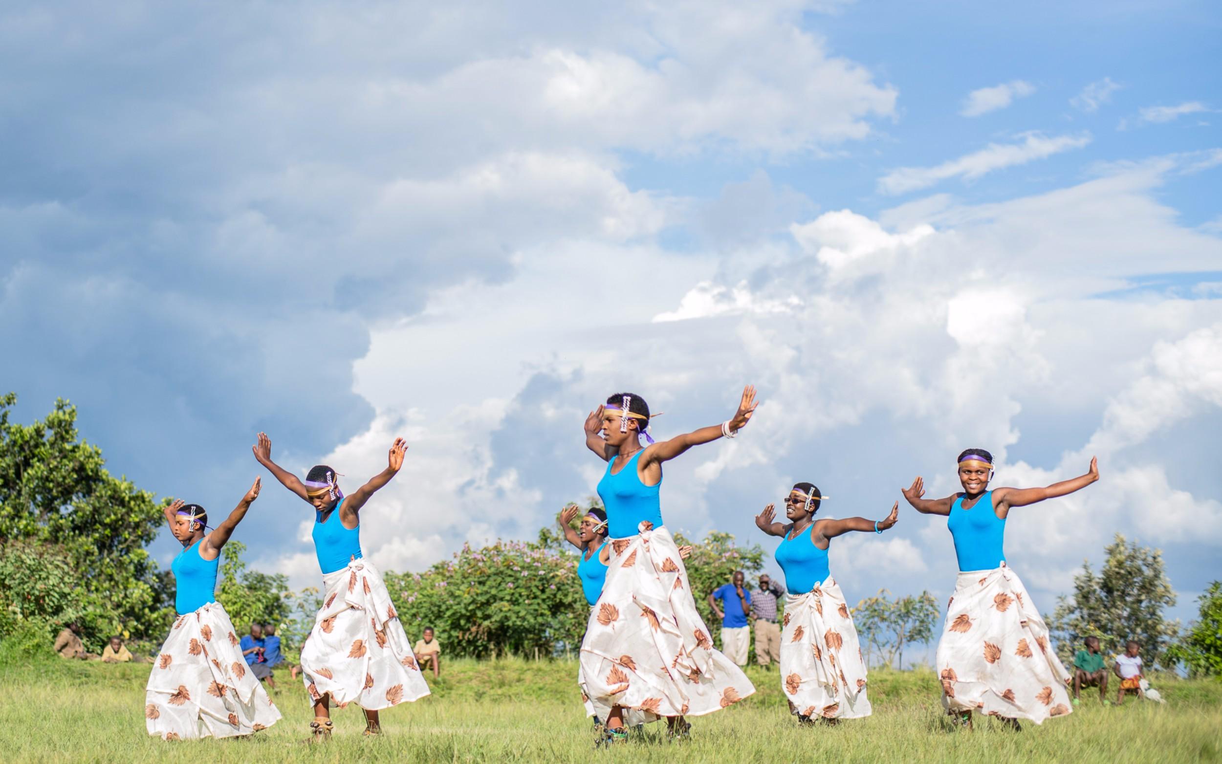 Virunga_intore dancers (female).jpg