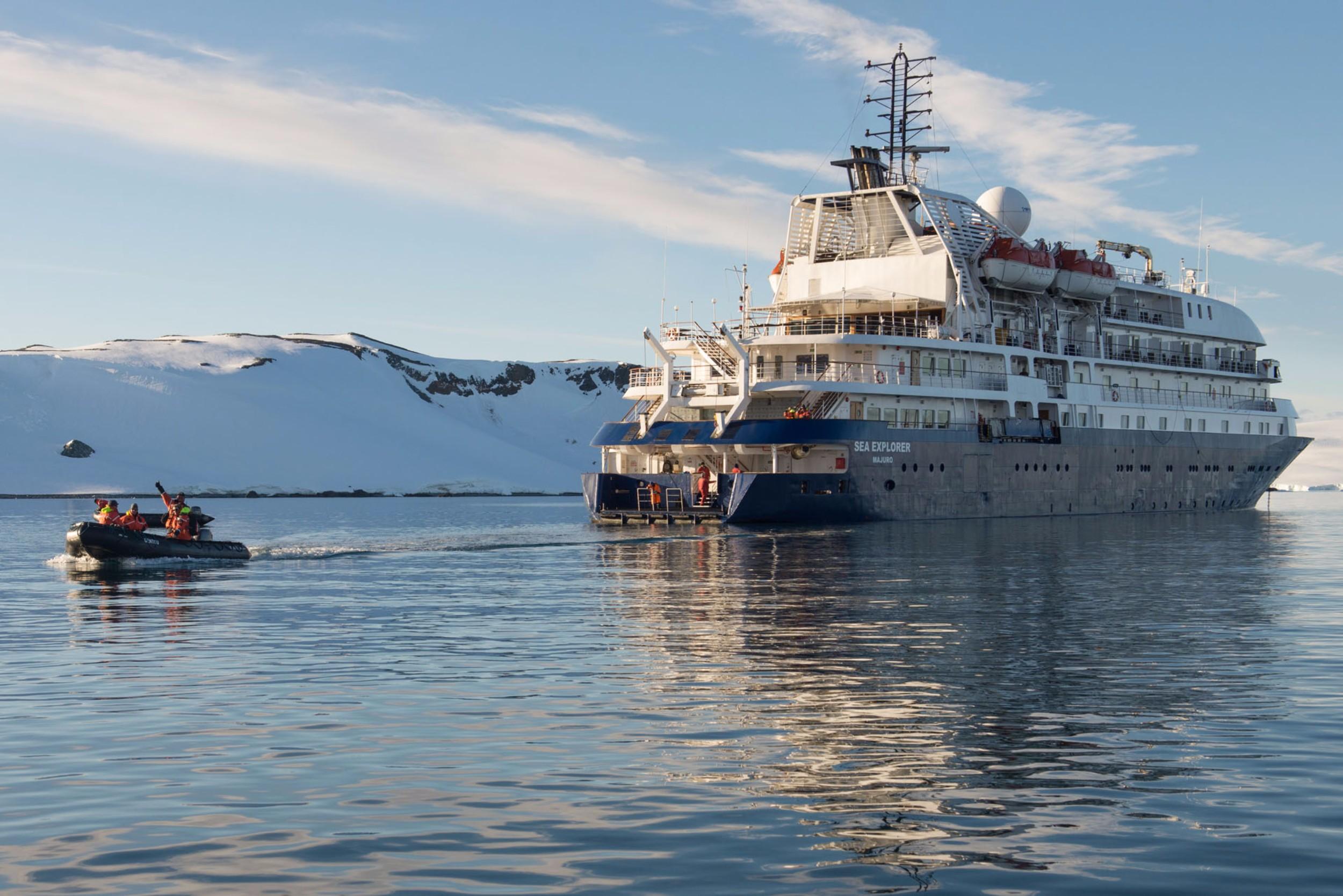 Polar Latitudes_SeaExplorer_Zodiac_Original_14233.jpg