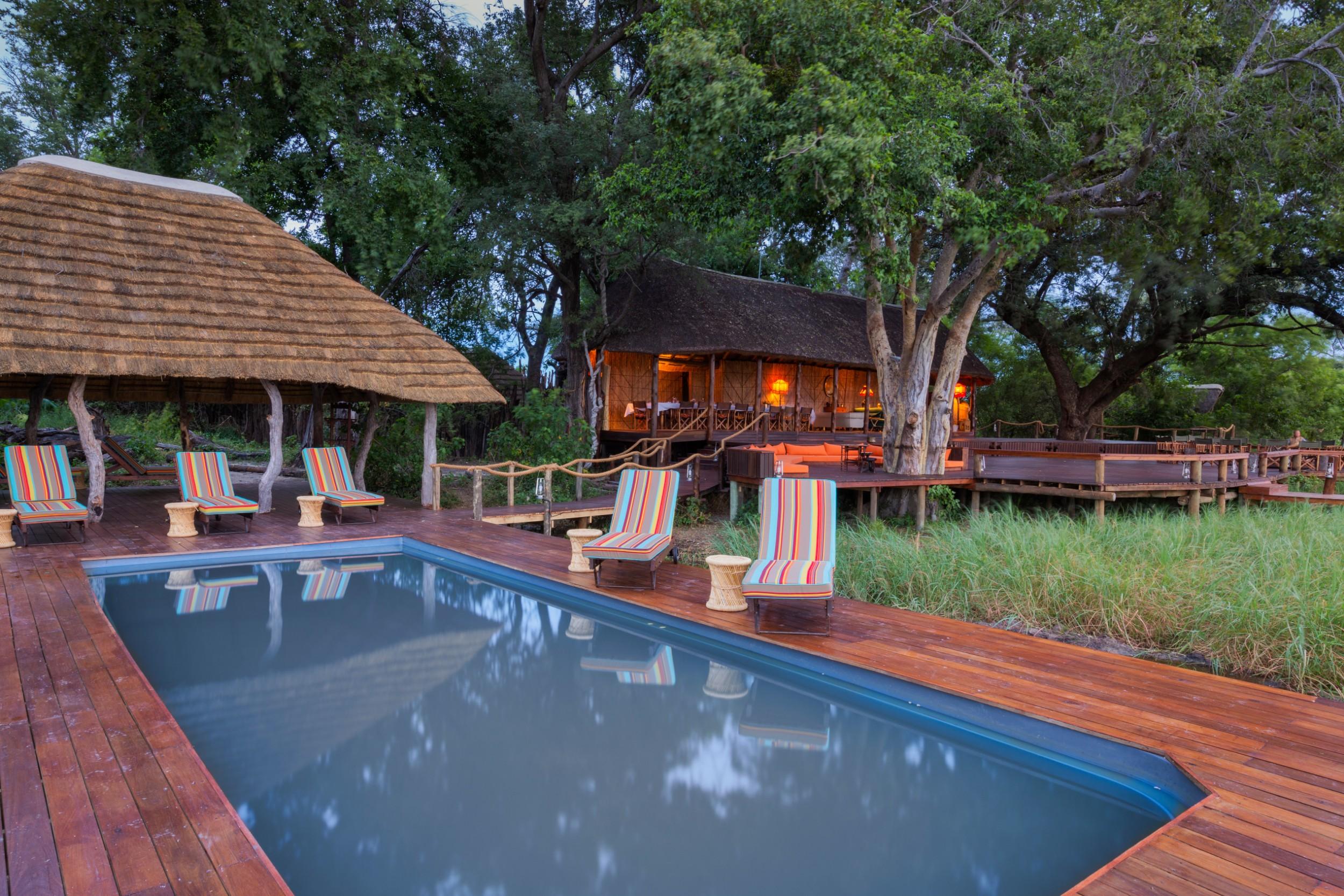13Mapula Lodge - Swimming pool.jpg
