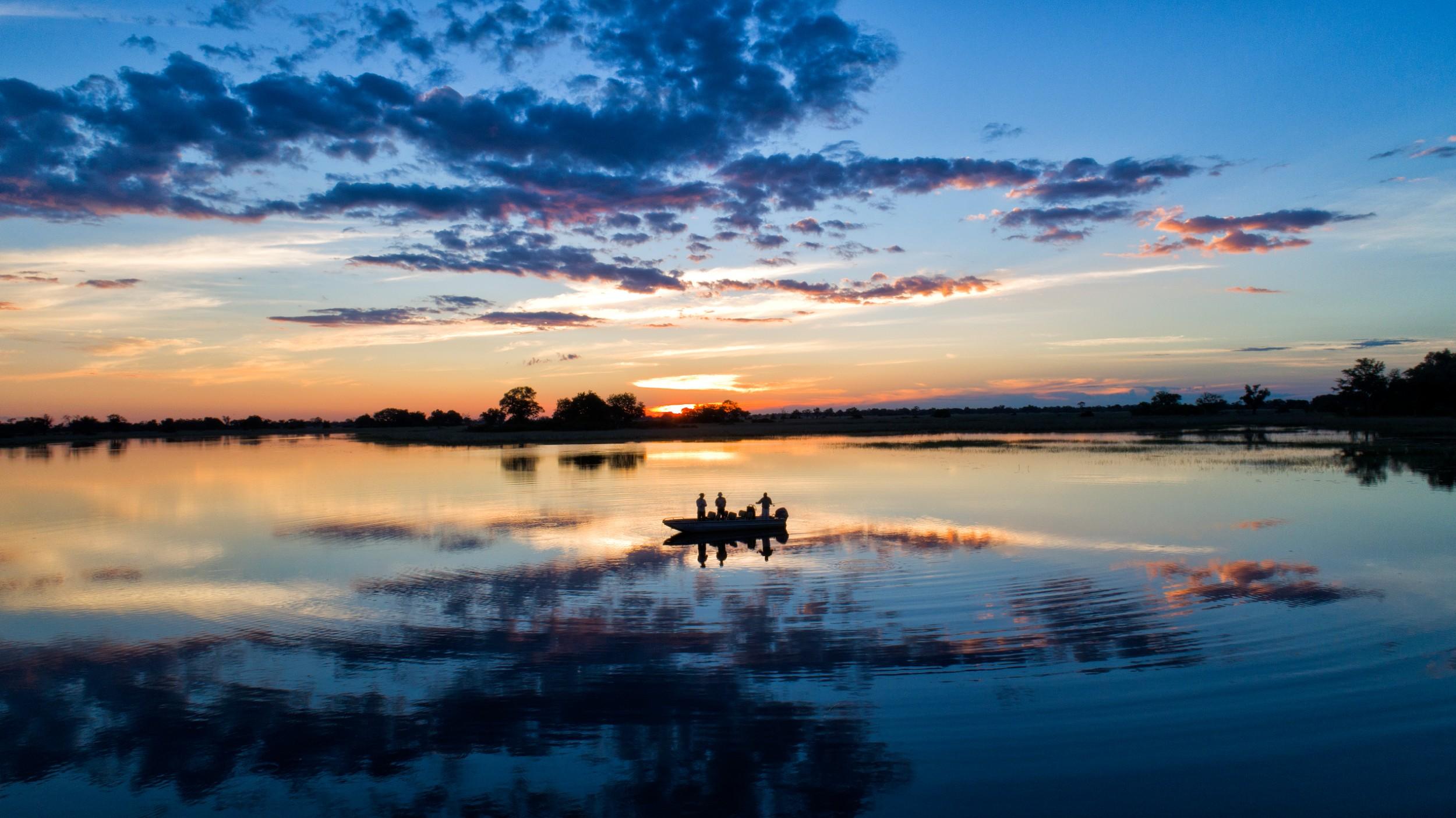 24Mapula Lodge - Sunset boating.jpg