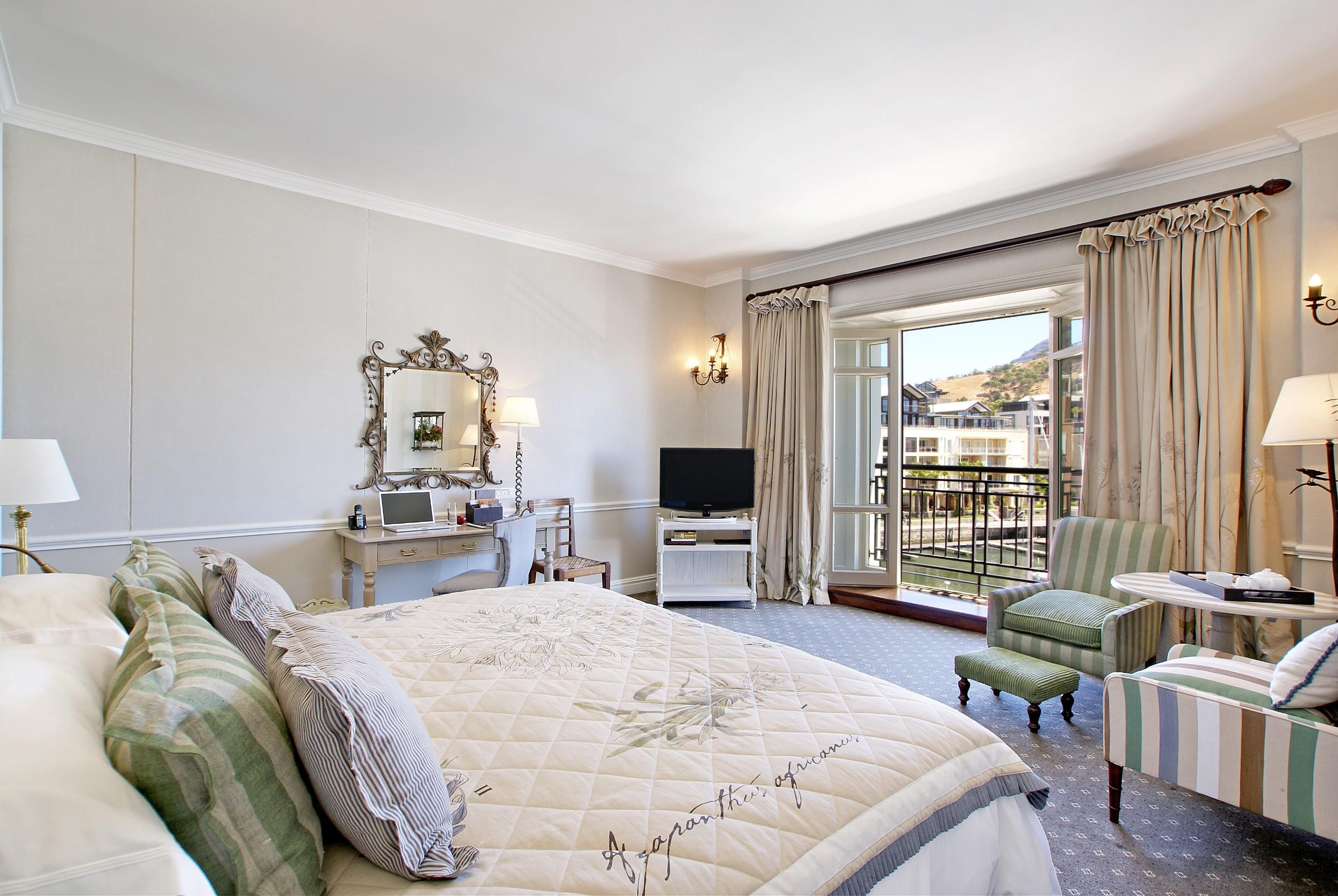 Luxury Room3.jpg