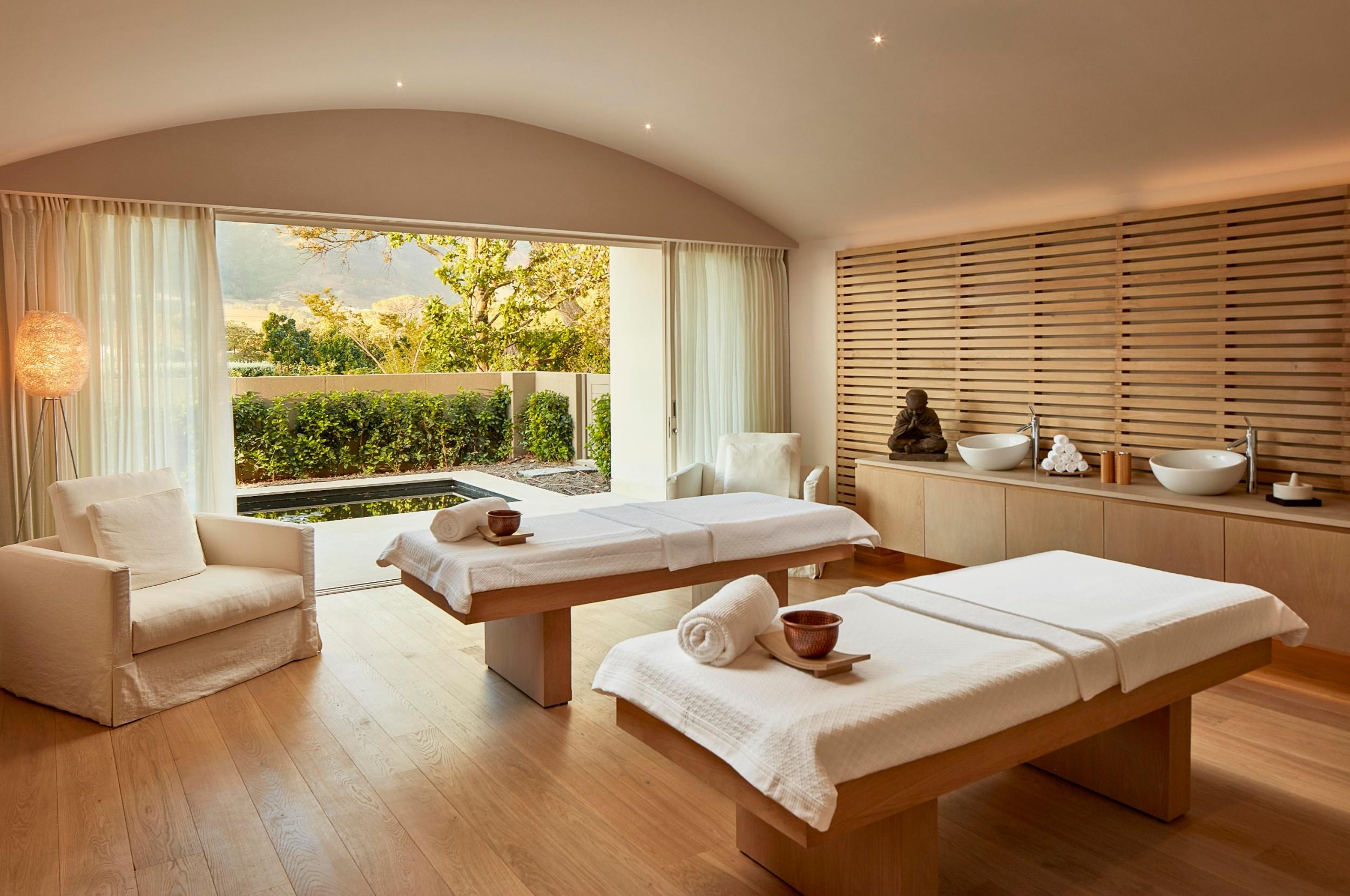 leeu_collection_spa_treatment_room_001.jpg