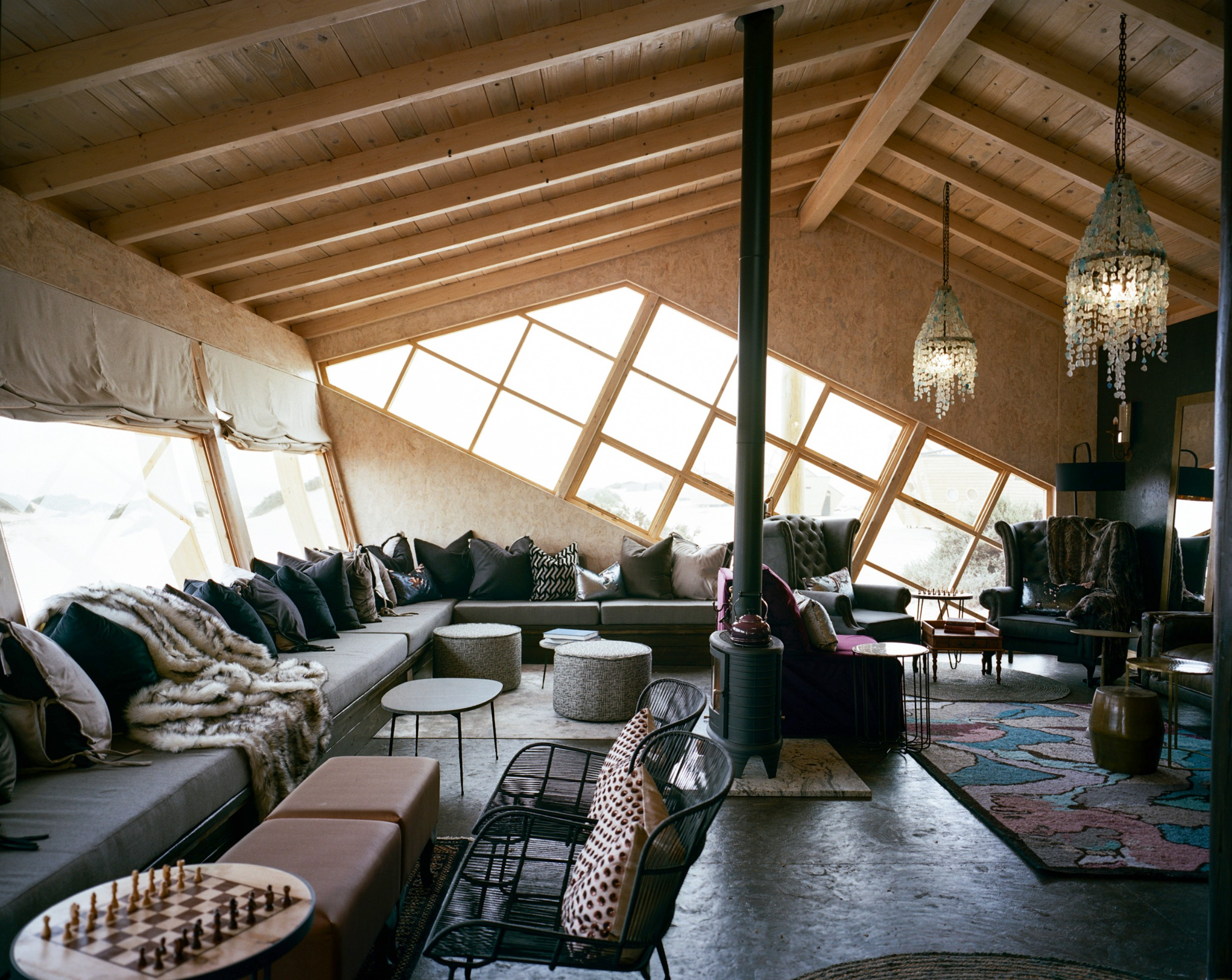 13Shipwreck Lodge - Main area1.jpg