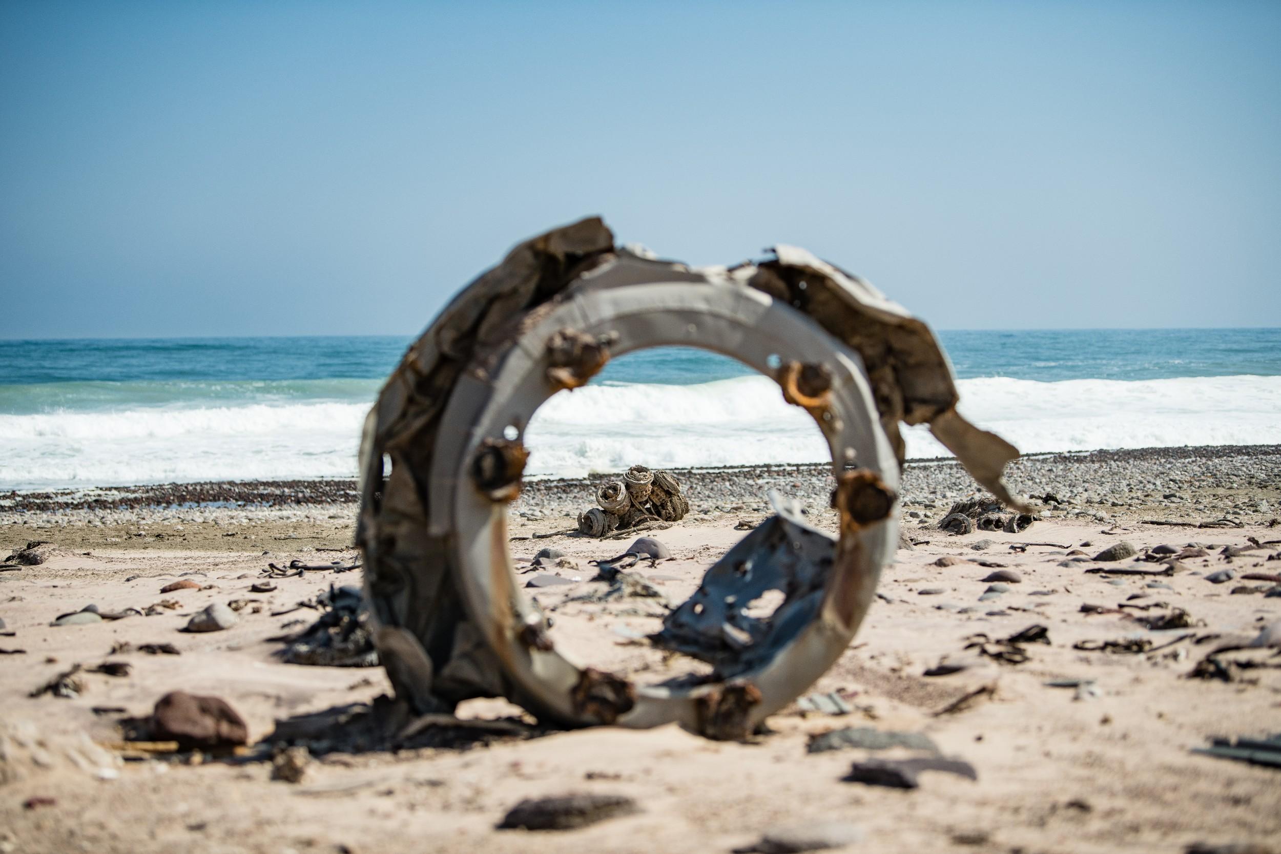 29Shipwreck Lodge - Wrecks along the shore.jpg