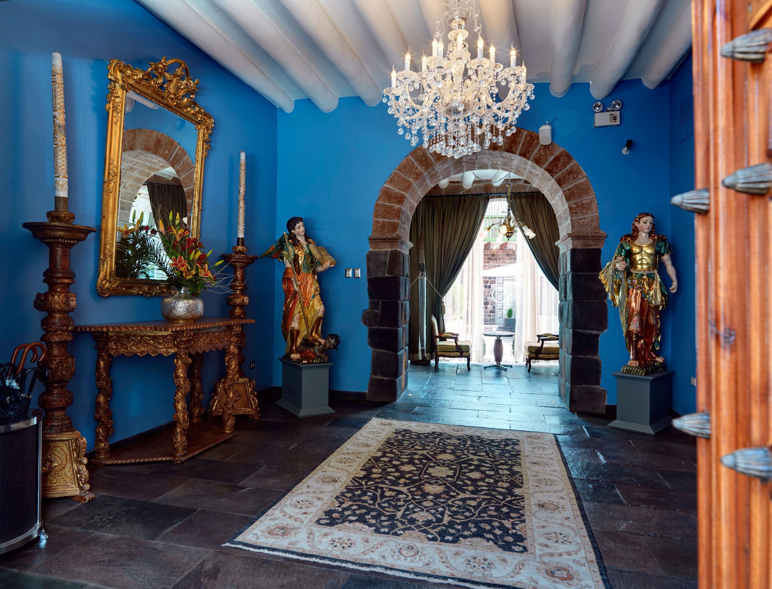 cusco-hotel-entrance.jpg