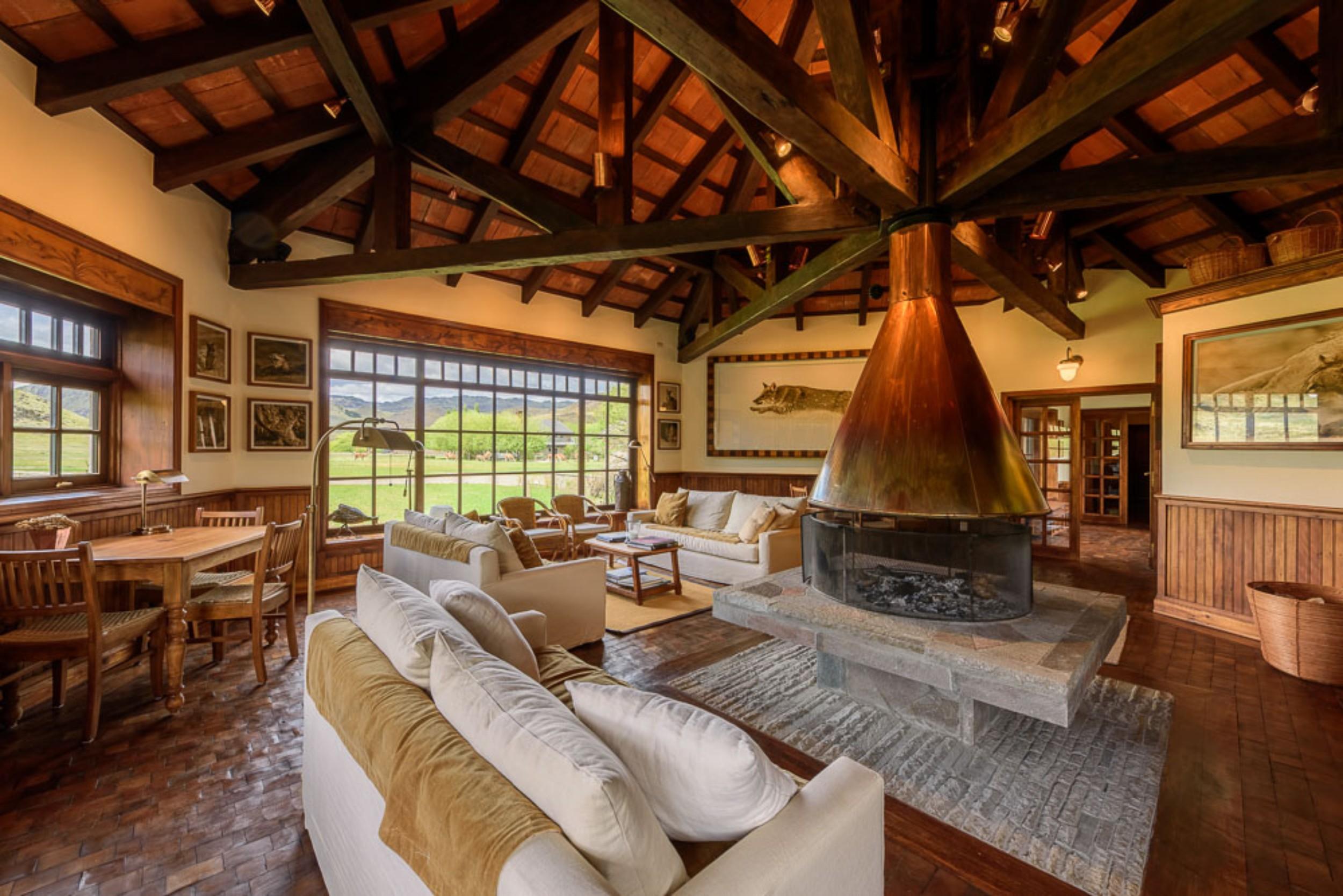 Ra14-06-Annex living room.jpg